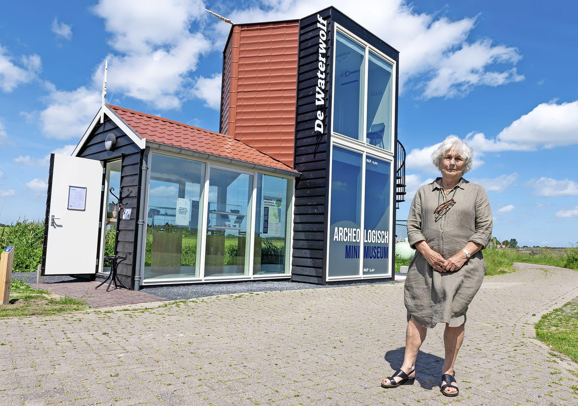 Virtual reality in Etersheim: Jetty Voermans is apetrots op archeologisch minimuseum De Waterwolf