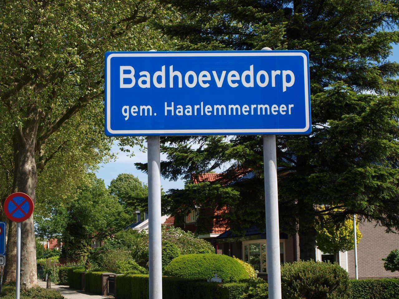 'Badhoevedorp heeft naast villa's ook armoede'
