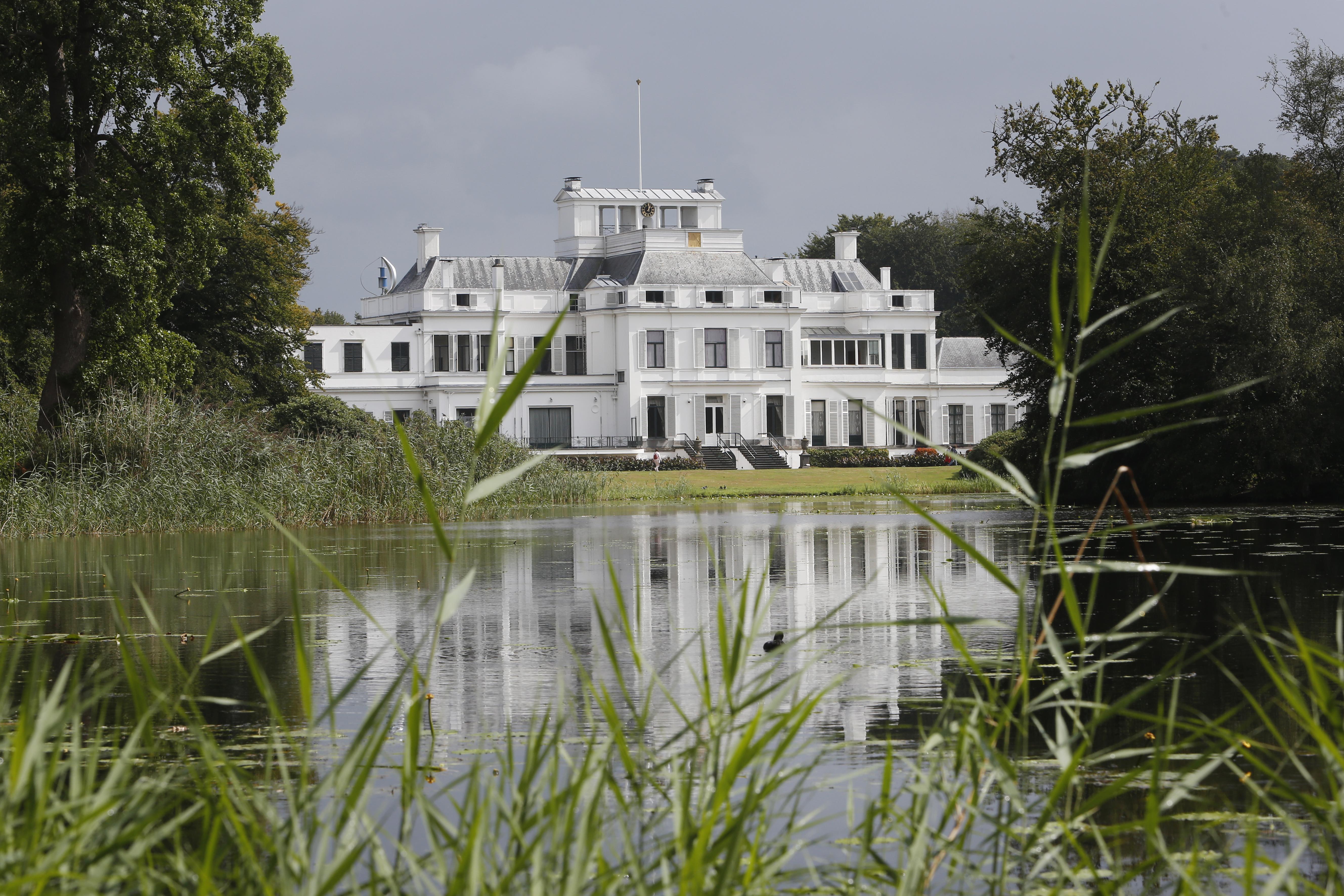 Plannen voor woningbouw Borrebos stilgelegd, paleis op zoek naar alternatief met meer behoud van natuur; Maya Meijer: 'Nieuwe plan wordt een stuk eleganter' [update]