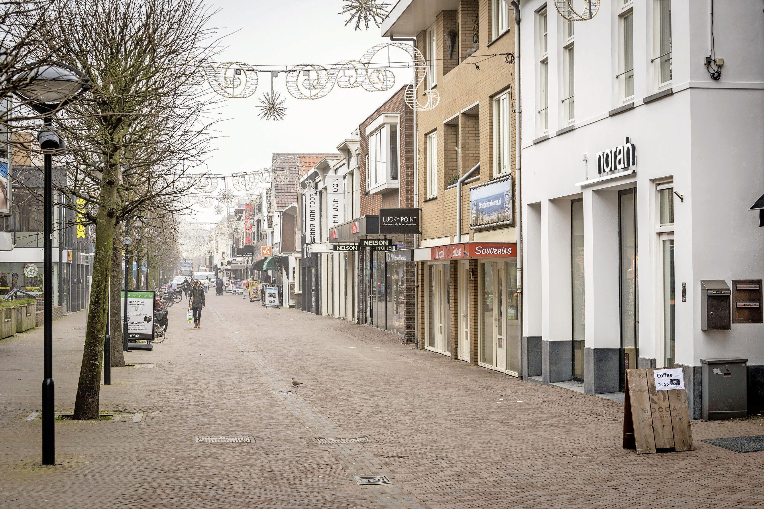 College Noordwijk in reactie op brandbrief ondernemers: nog geen toezegging over grotere terrassen in 2022