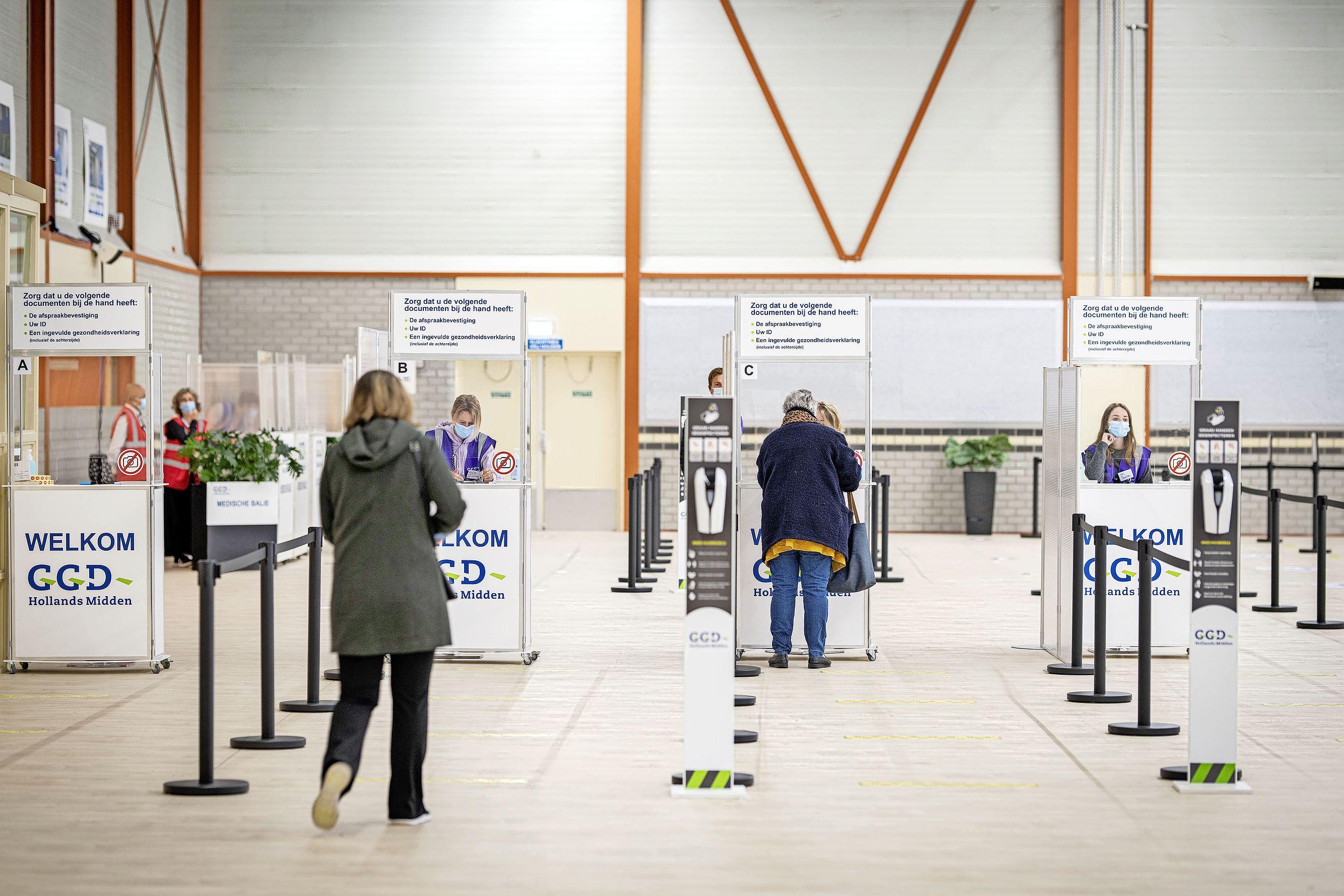 Nu ook de priklocatie in Leiderdorp open: Op naar de achttienduizend prikken per dag bij de GGD Hollands Midden