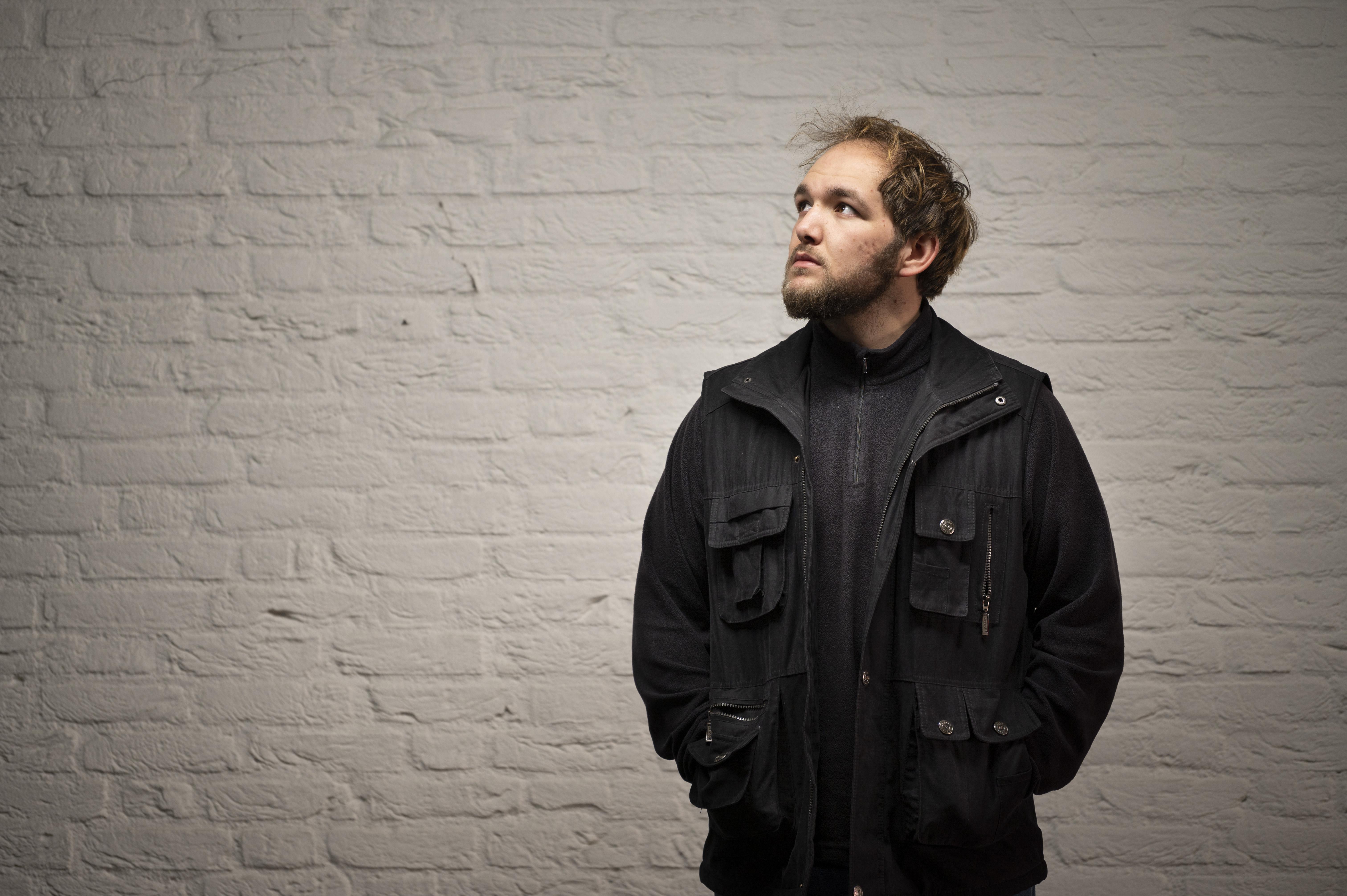 Leiderdorpse hiphopartiest Tycho Poort debuteert met album BLOEI: 'Ik zat me zelf letterlijk en figuurlijk in de weg' [video]