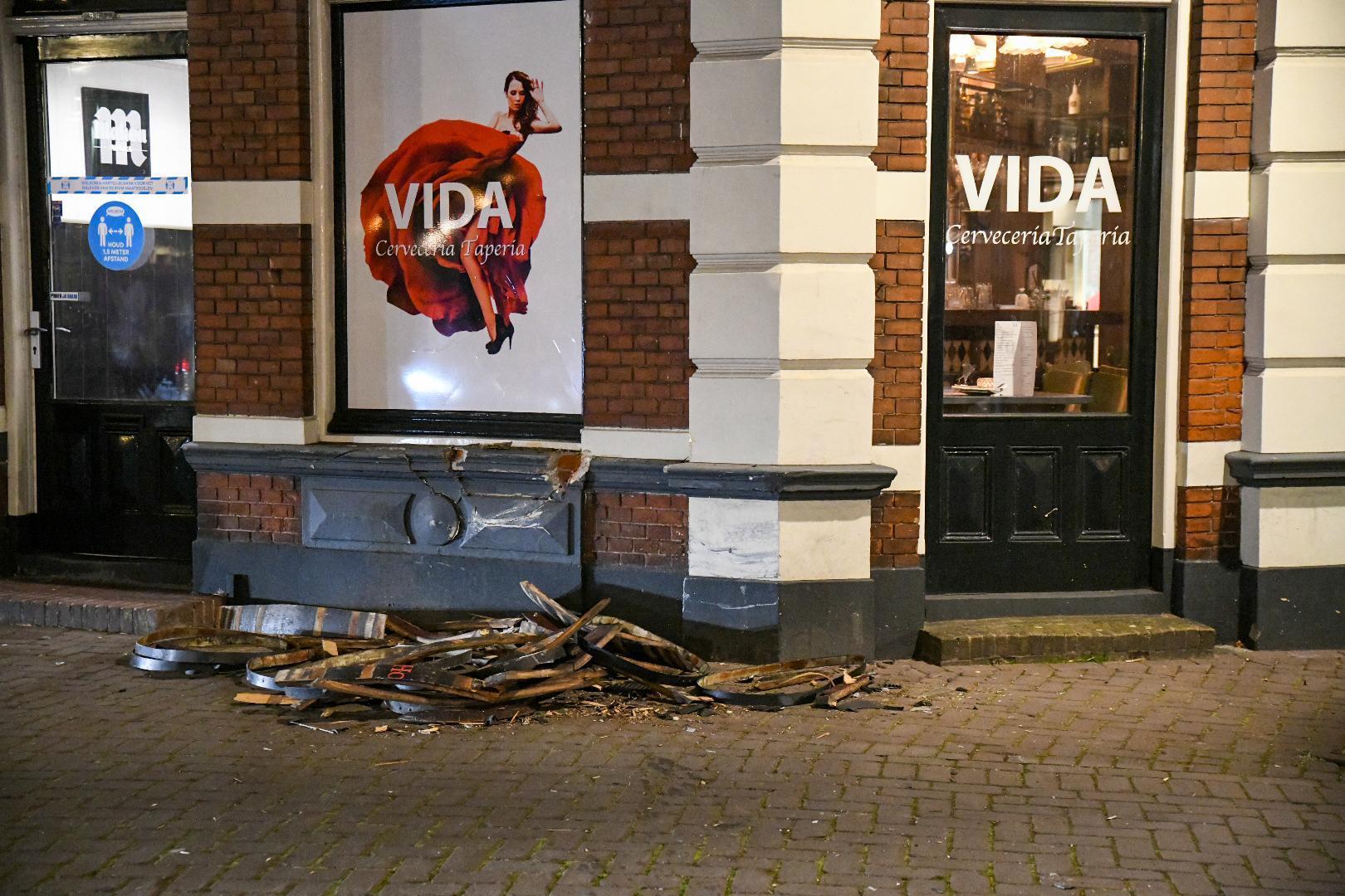 Veel schade bij Vida, gevel van Hilversums restaurant is ontzet. 'Maar het had nog veel erger kunnen aflopen'