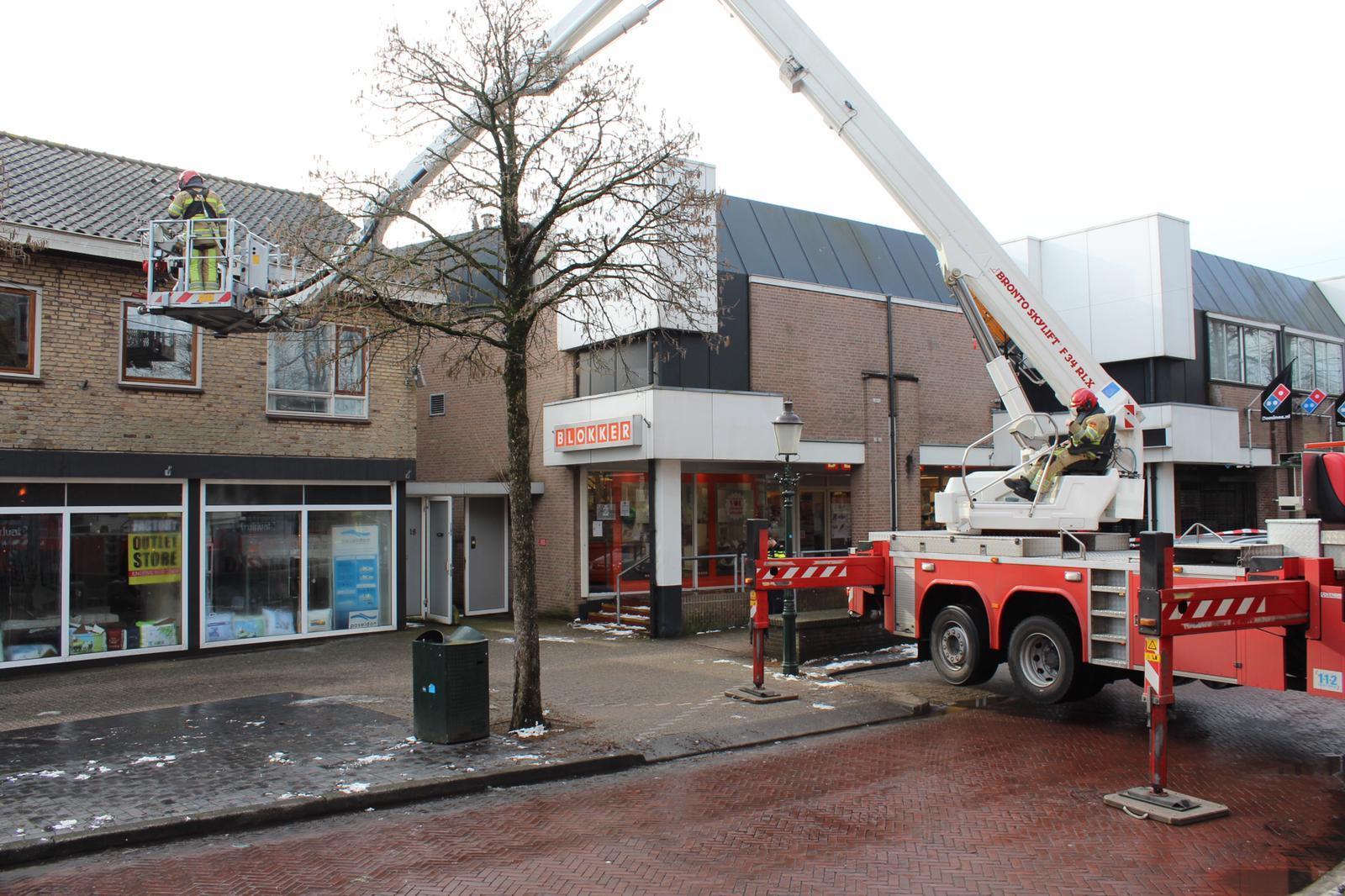 Veel schade voor beddenwinkel in Huizen na lekkage