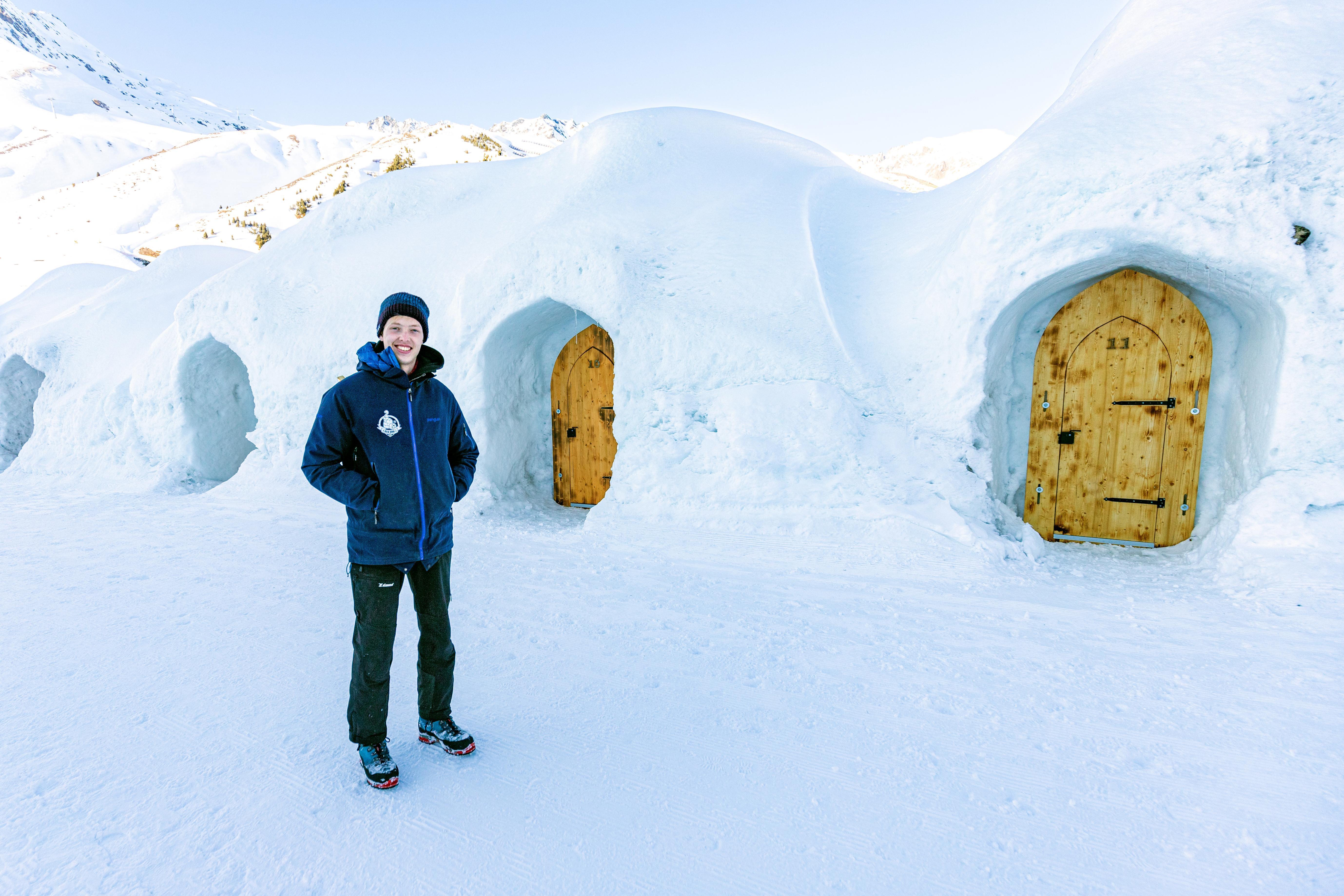 Reinoud Kotte uit Leiderdorp werkt in Innsbruck in een iglohotel