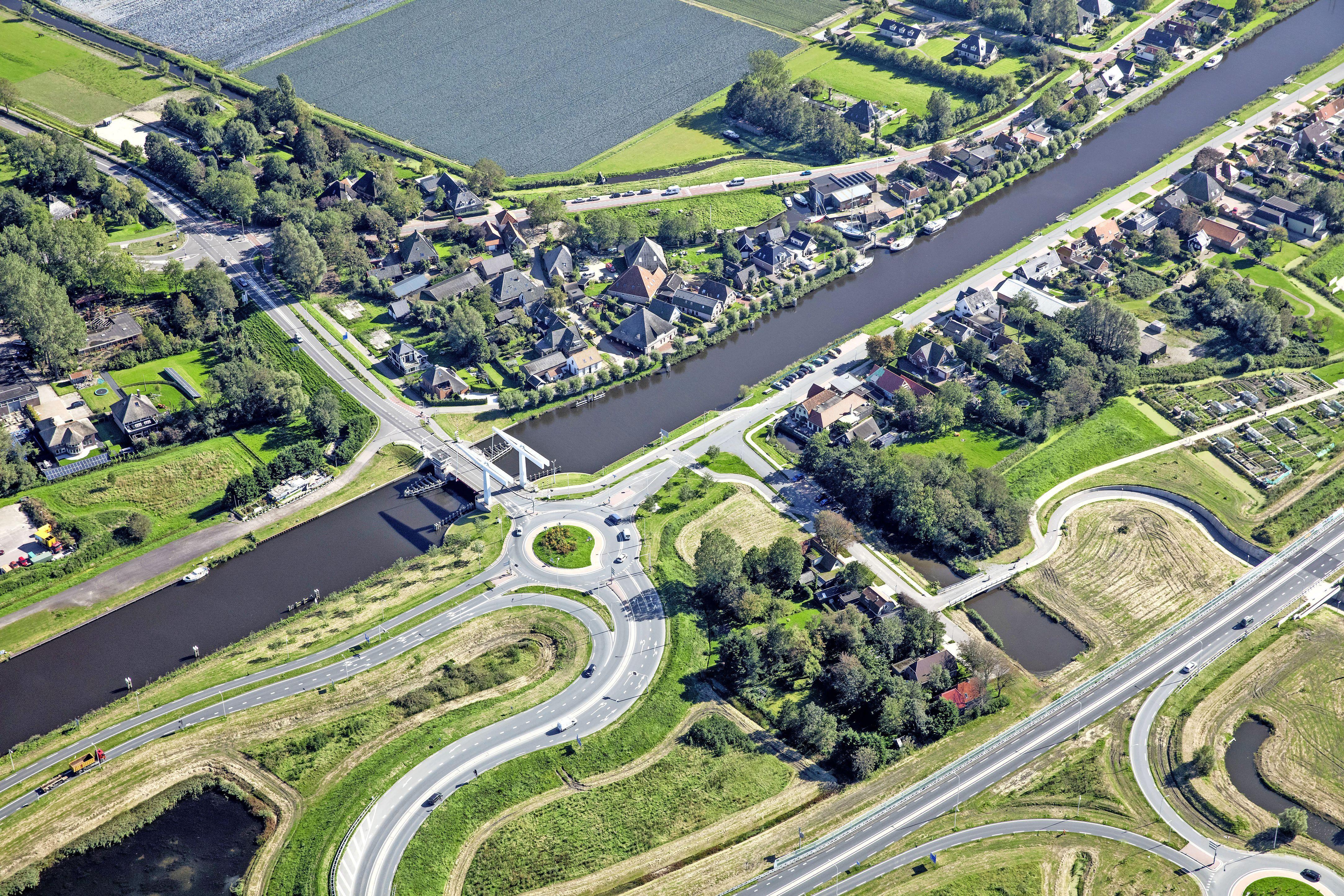 Dat wordt even omrijden: de Schoorldammerbrug krijgt nieuw asfalt en gaat tijdelijk dicht. Een half jaar geleden ook al