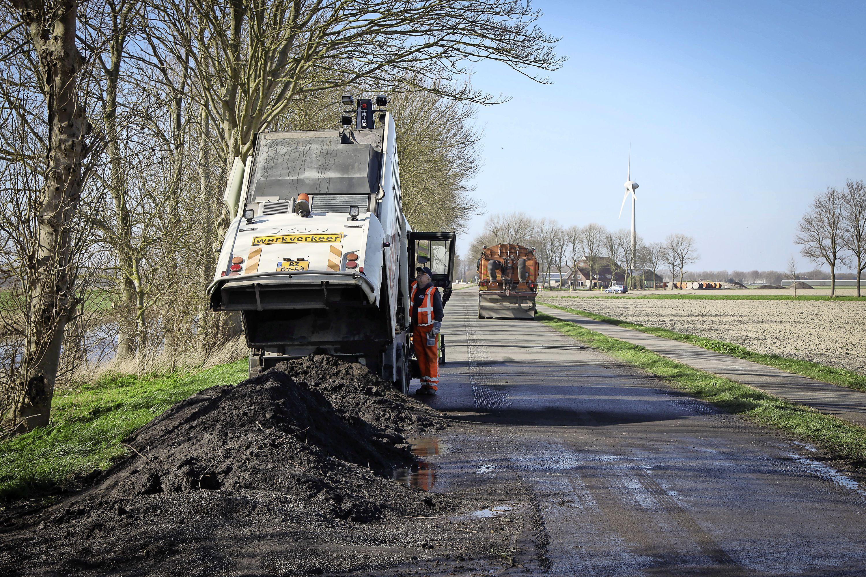De gevaarlijkste weg van de Noordkop wordt een stuk veiliger gemaakt. Werk aan de 'dodenweg' N240 duurt tot en met 9 juli
