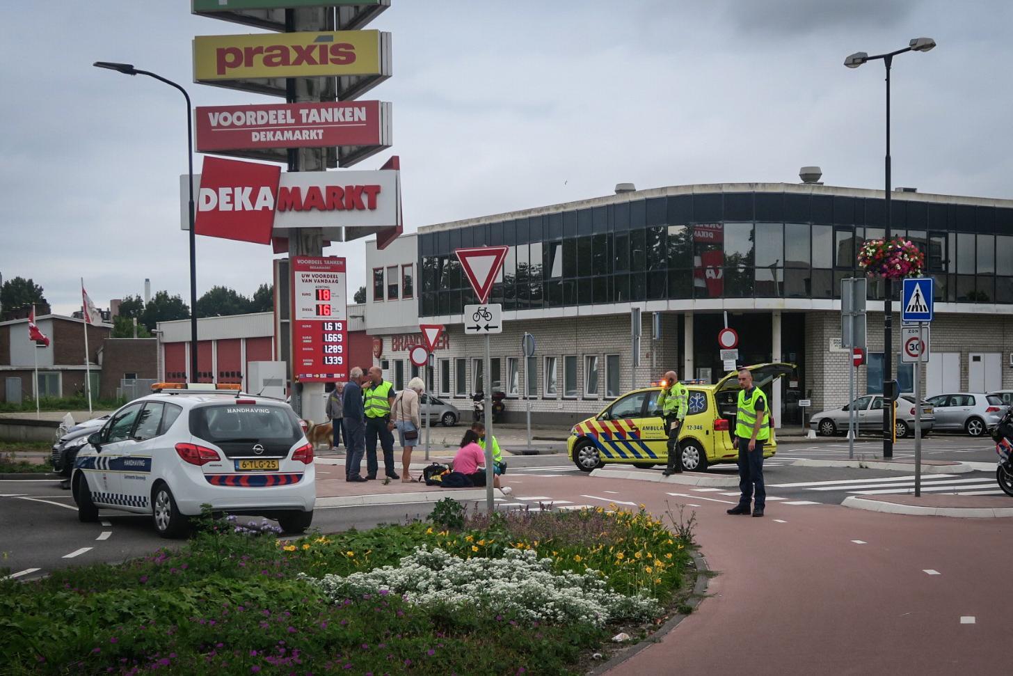 Vrouw gewond bij aanrijding met auto in Beverwijk