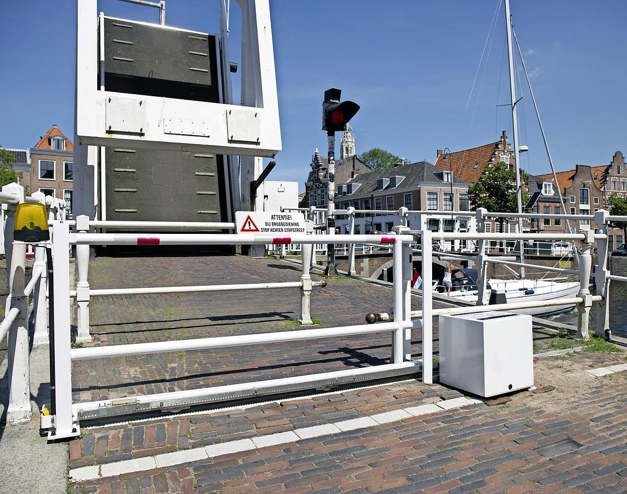 Gravestenenbrug in Haarlem nu toch écht weer in bedrijf