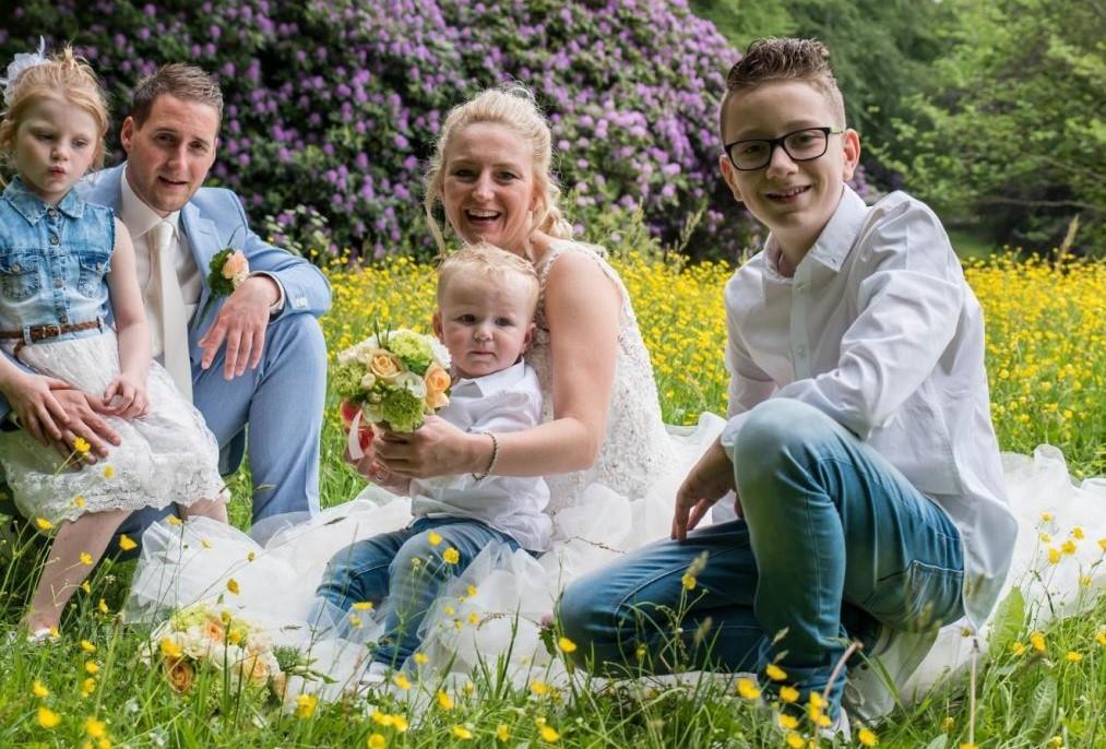 Hoornse kapper knipt voor peperdure operatie Marina: 'Hoewel ik zelf een oorlog heb meegemaakt, kan ik me niet voorstellen hoe zij zich voelt'