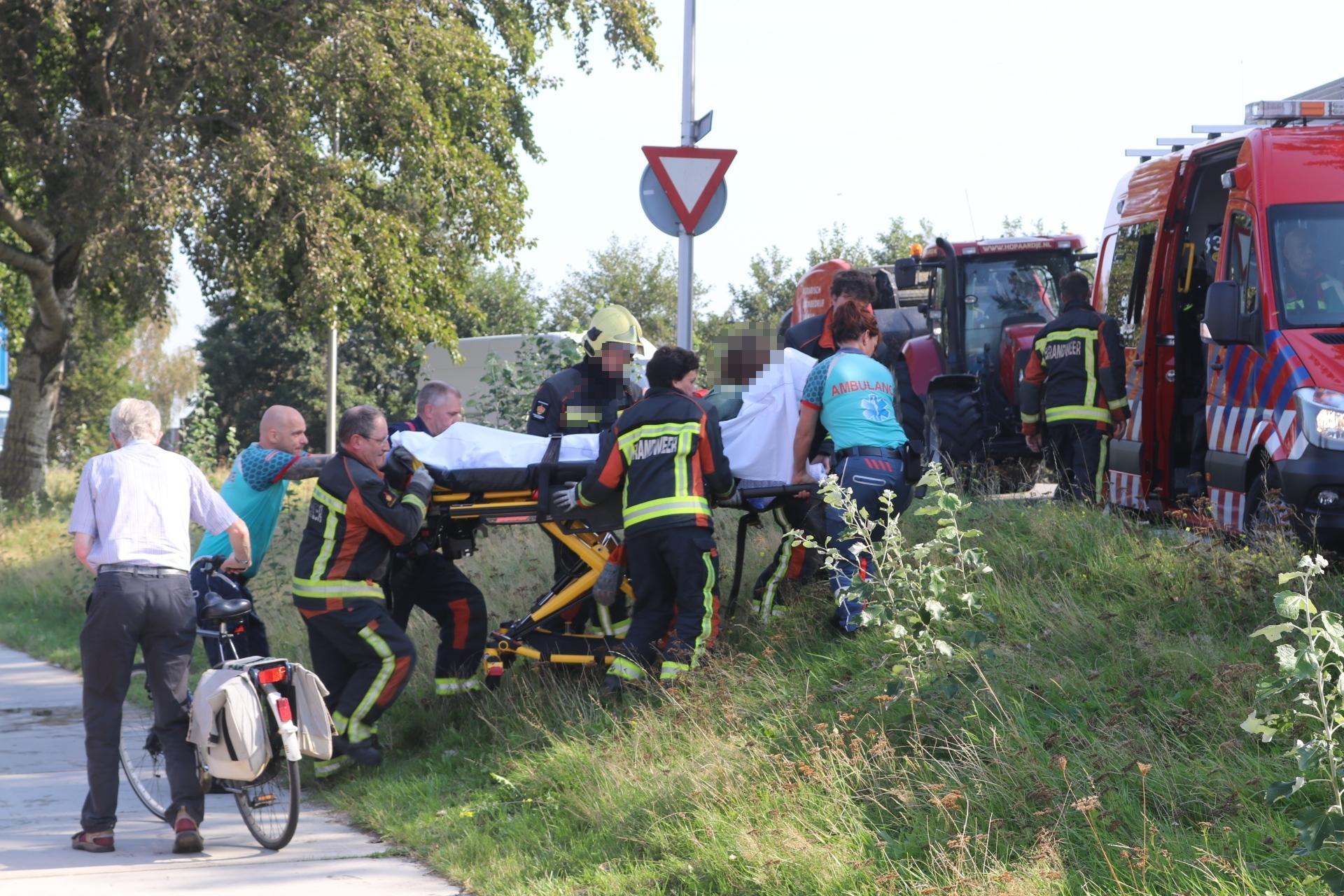 Ambulancemedewerker ziet in Sassenheim per toeval vrouw in water liggen en redt haar