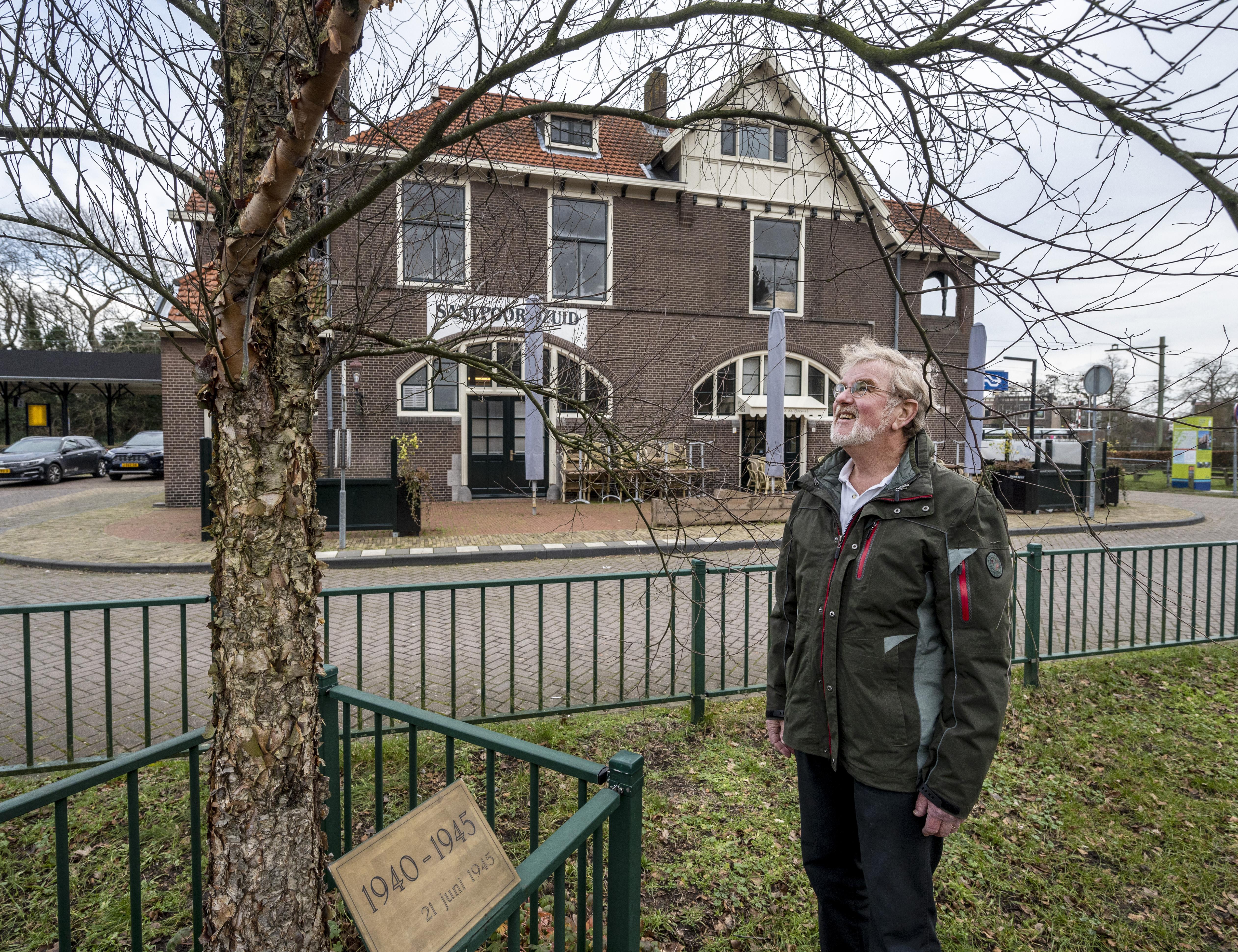 Gerard van Broekhuijsen vertelt de geschiedenis van zijn vader na - die nooit met hem over de oorlog sprak