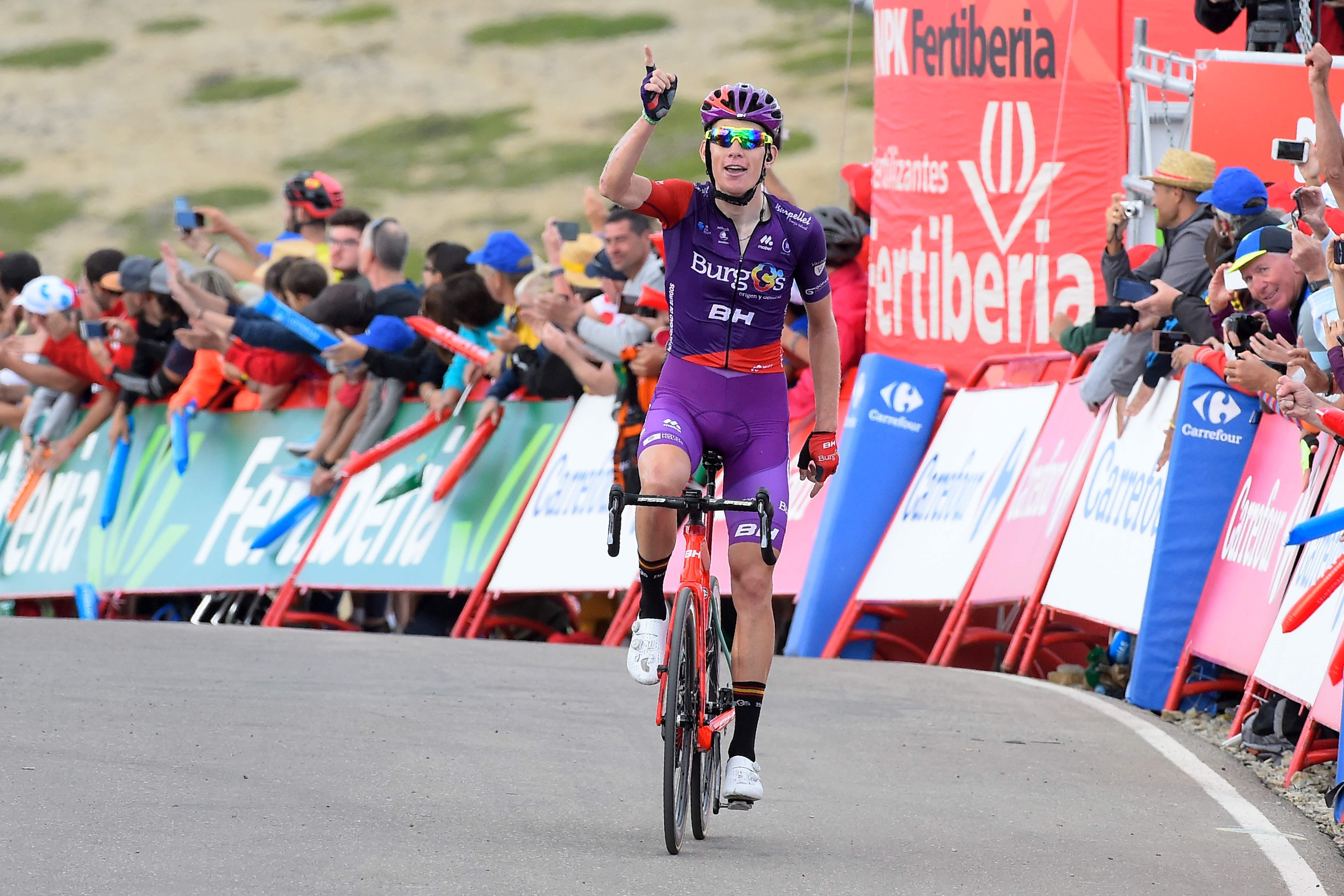 Jetse Bol uit Avenhorn grijpt net naast zege in bergrit Vuelta, maar schrijft verhaal van de dag [video]