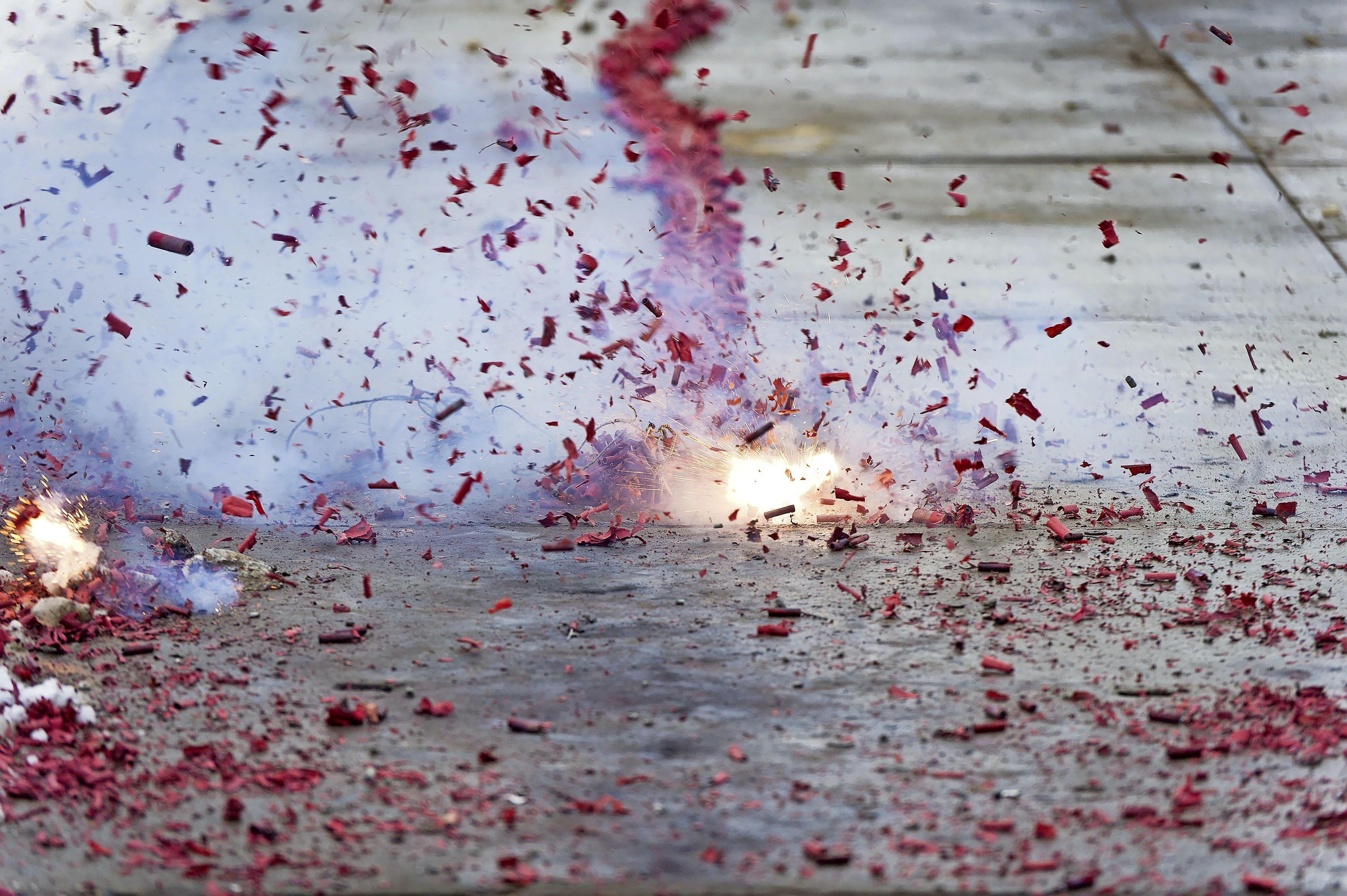 Krommenieër veroordeeld wegens illegaal vuurwerkbezit: 300 supercrackers en cobra's bij oma in de berging
