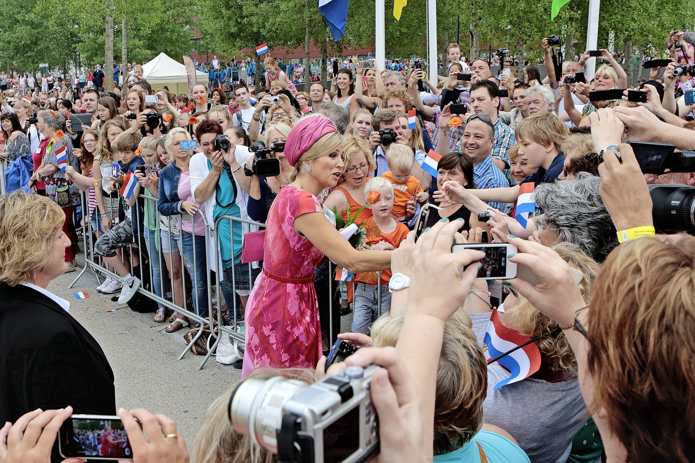 Koningin Máxima brengt bezoek aan Smit & Zoon in Weesp; bedrijf bestaat 200 jaar