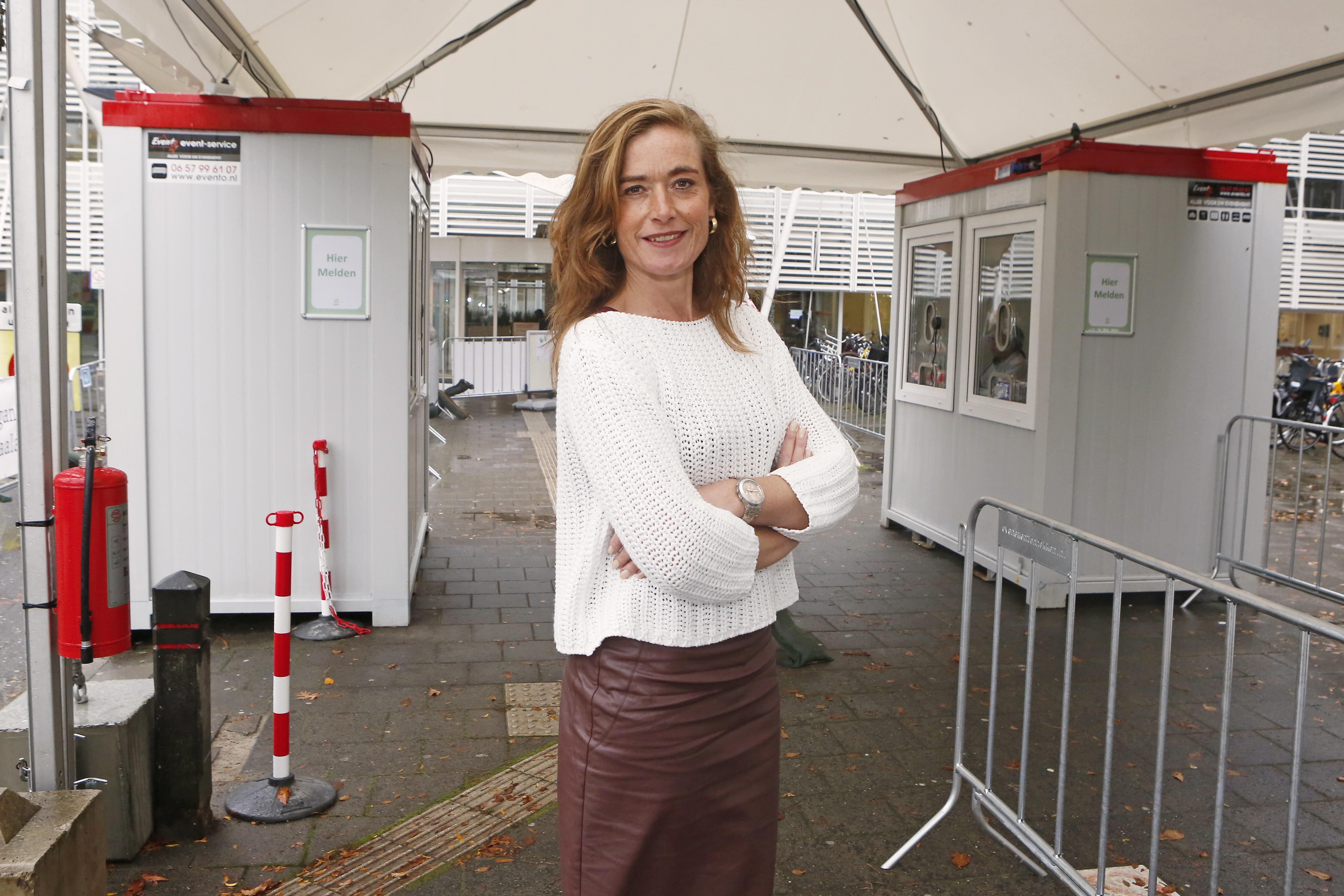 Tergooi ziekenhuis wacht niet op Den Haag en wil zorgbonus snel uitkeren; 'Of we het vergoed krijgen weet ik niet, dat risico nemen we'