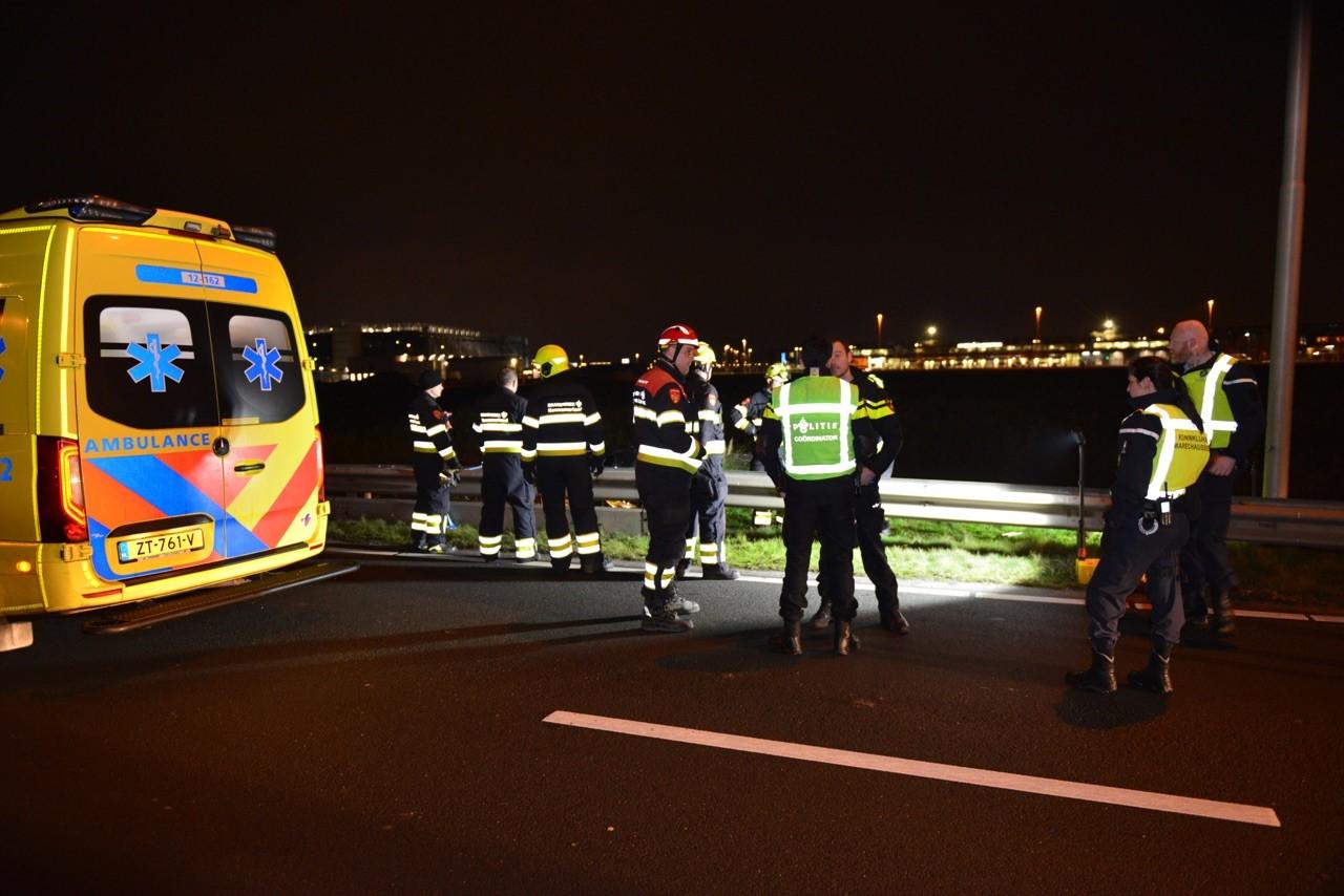 Autmobilist en bijrijdster slaan over de kop bij Schiphol-Rijk en raken gewond
