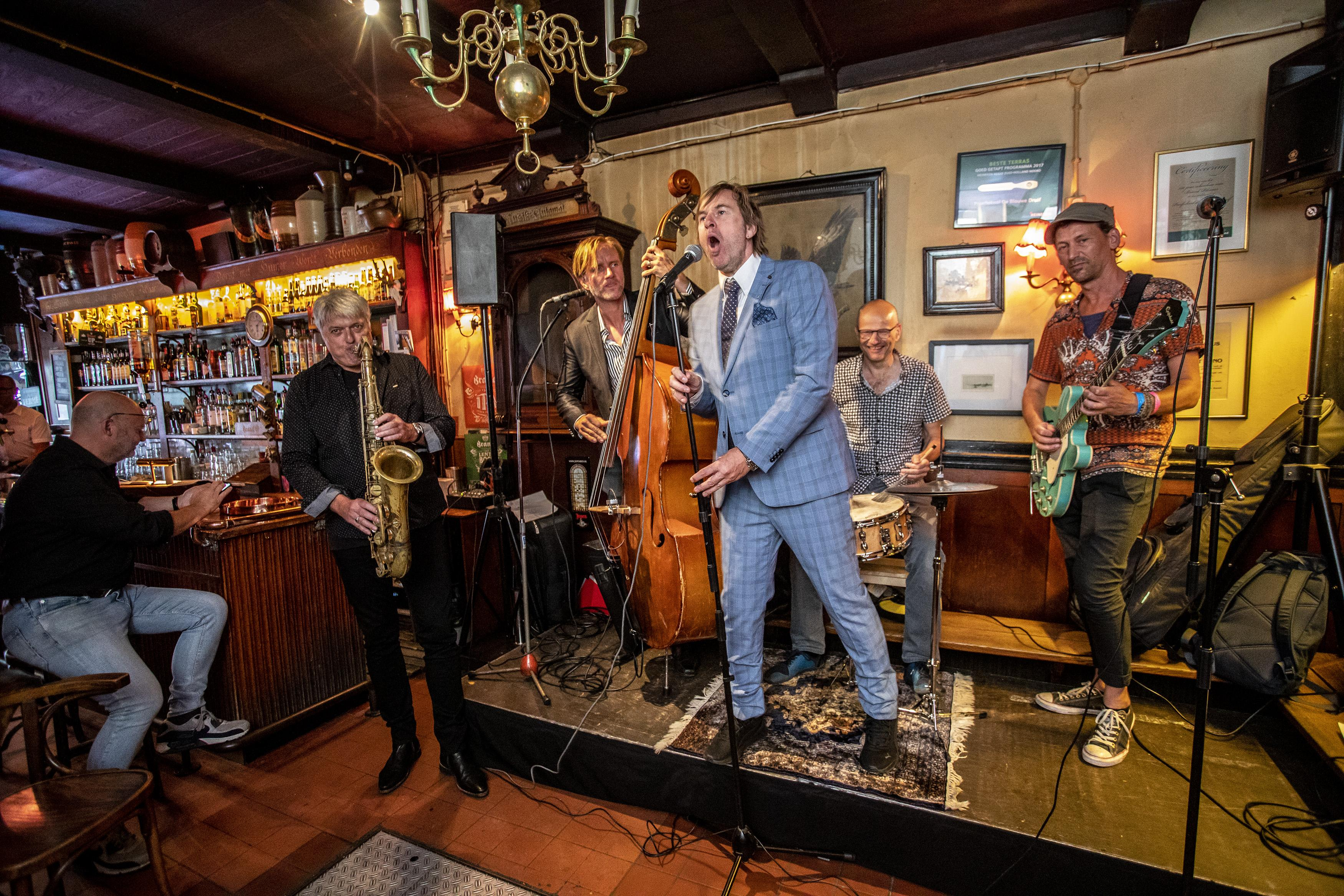 Ook café-jazz in Haarlem dit jaar anders: 'Juist in zo'n intieme setting komt de muziek helemaal tot zijn recht'