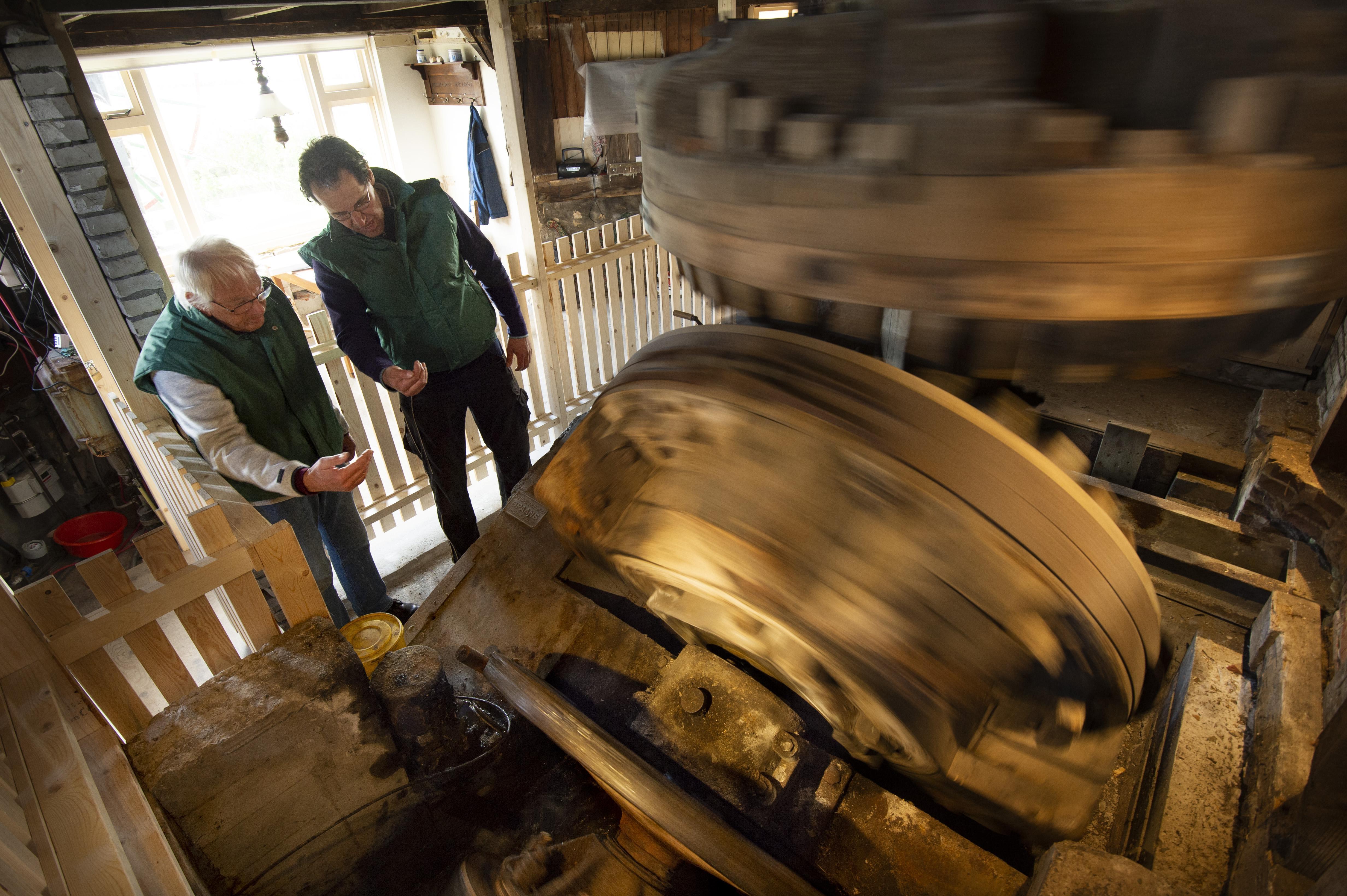 Techniek oudste vijzelmolen ter wereld te zien in Lisserpoelmolen [video]