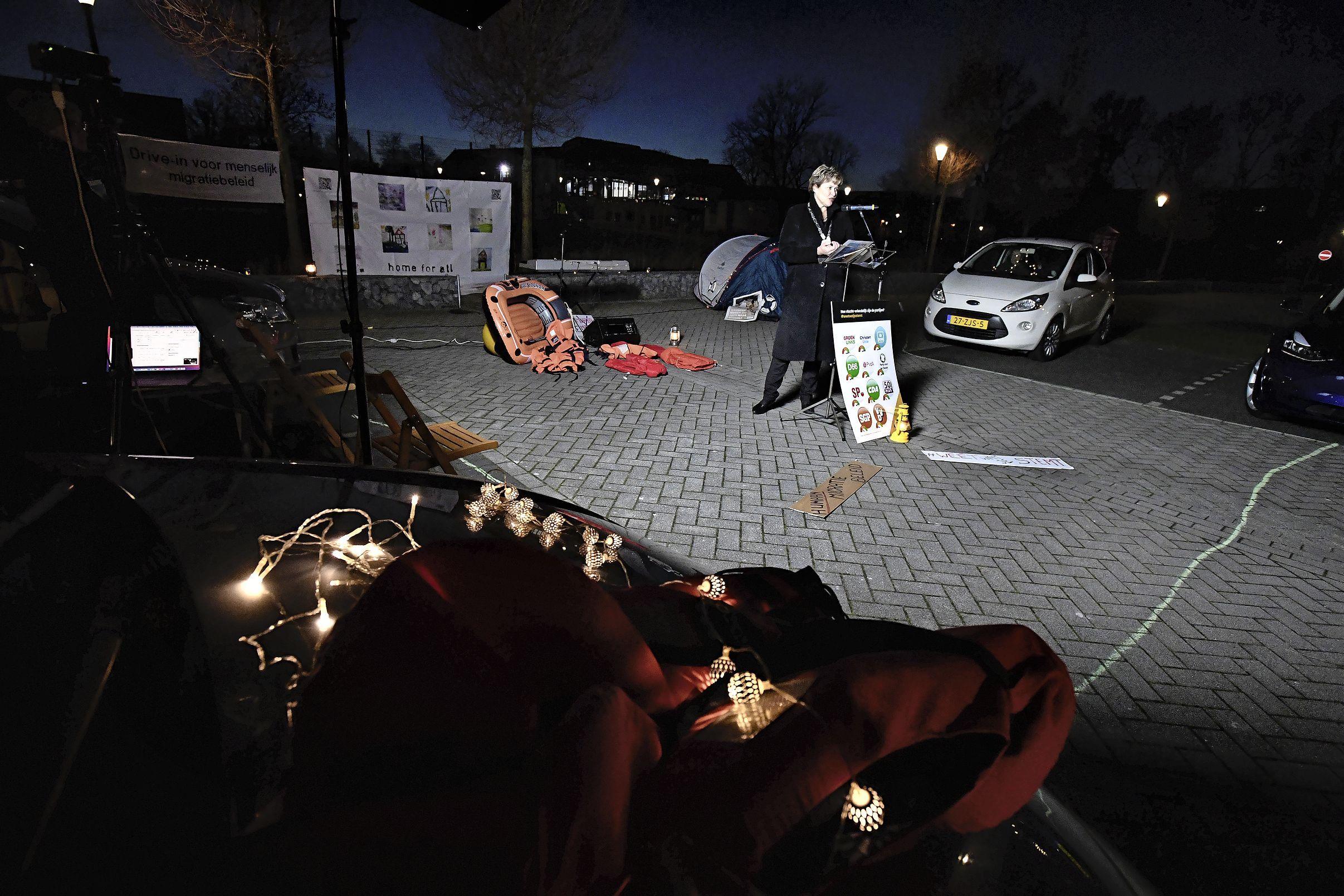 'Omstandigheden vluchtelingenkampen zijn schrijnend', demonstranten Lopend Vuur strijken neer in Schagen