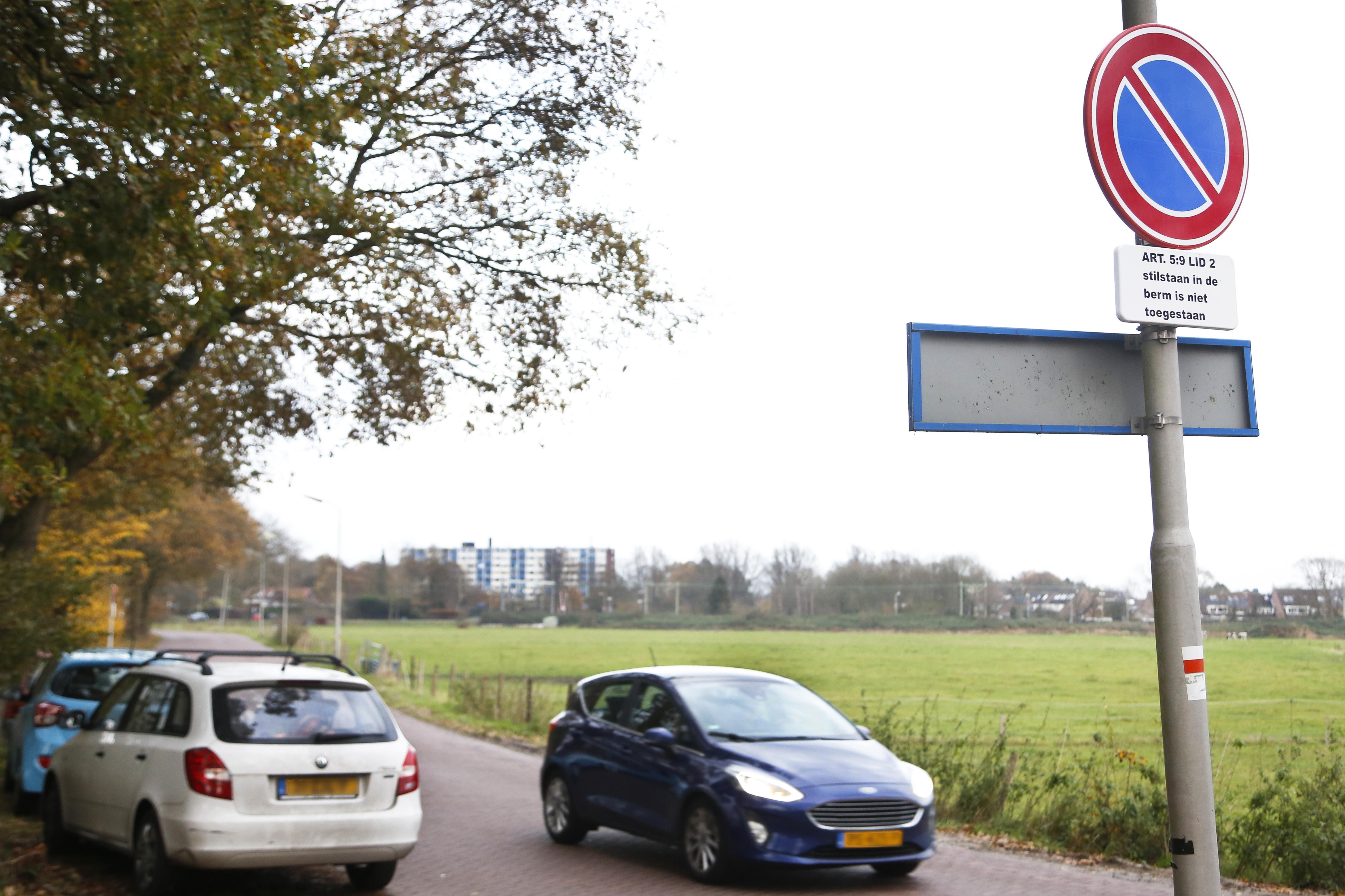 Het mag niet meer: parkeren aan de Duin- en Kruidbergerweg in Santpoort-Noord