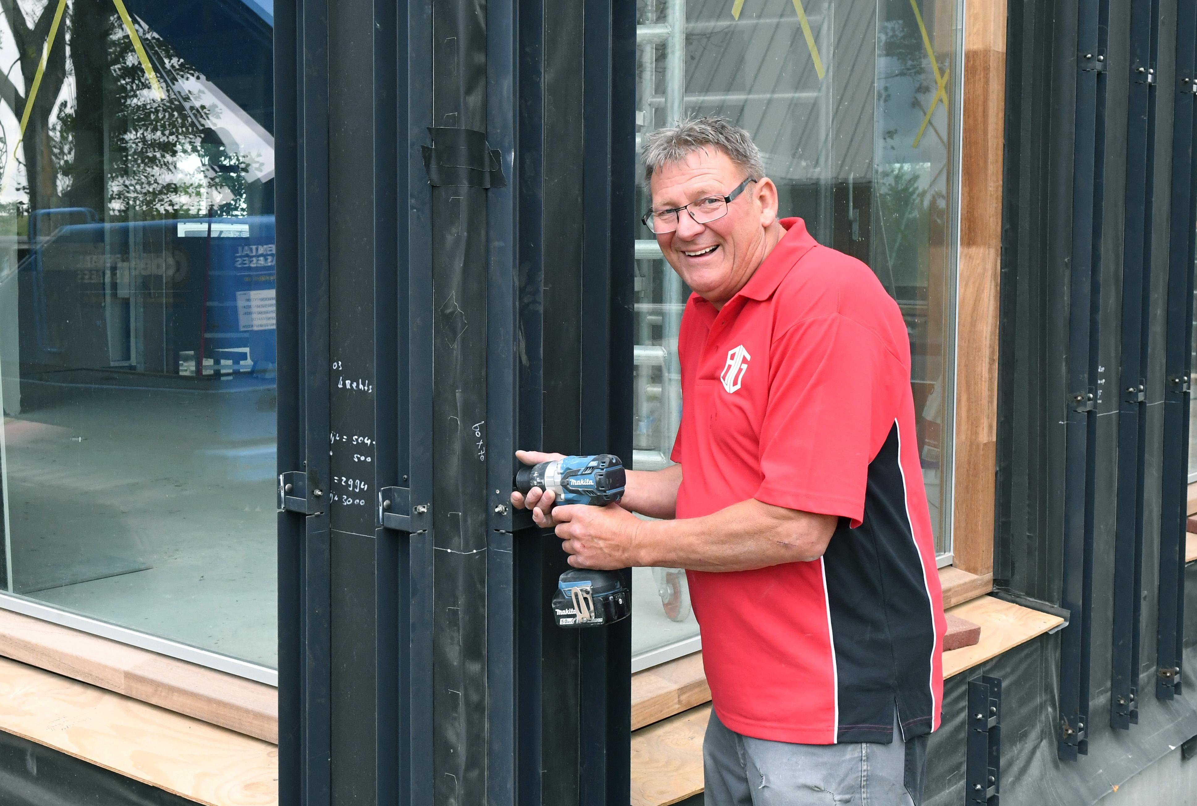 Vijftig jaar lang in de bouw, George Weijers werkt aan zijn laatste klusje voor Bouwbedrijf Appelman