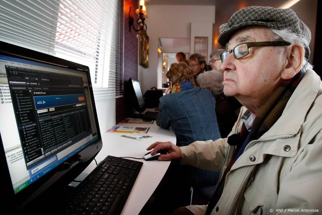 Onderzoek: senioren willen niet meer verplicht op internet