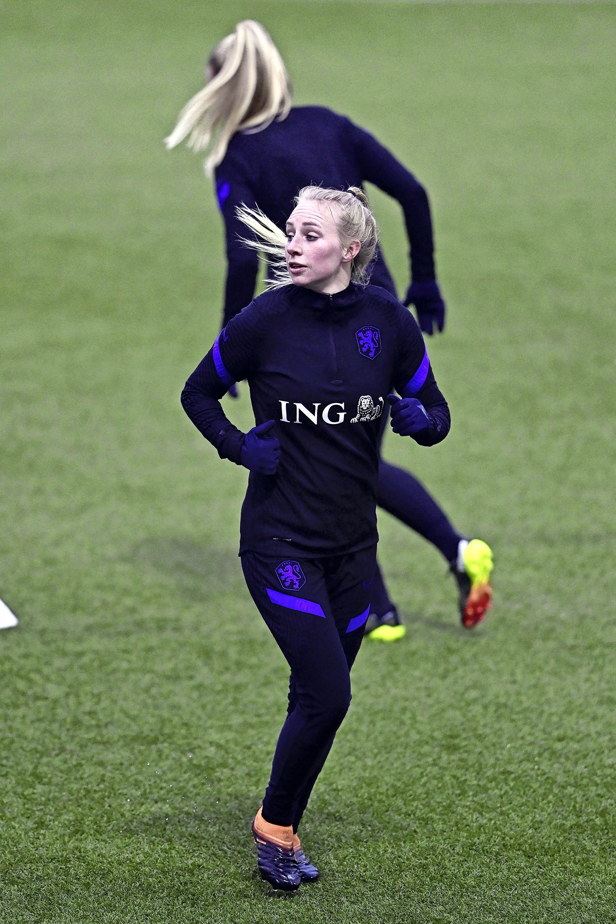 Bovenkarspelse voetbalinternational Inessa Kaagman heeft Olympische Spelen inmiddels toch op haar bucketlist staan: 'Toen we ons plaatsten ging iedereen los, dat was wel een kippenvelmoment'
