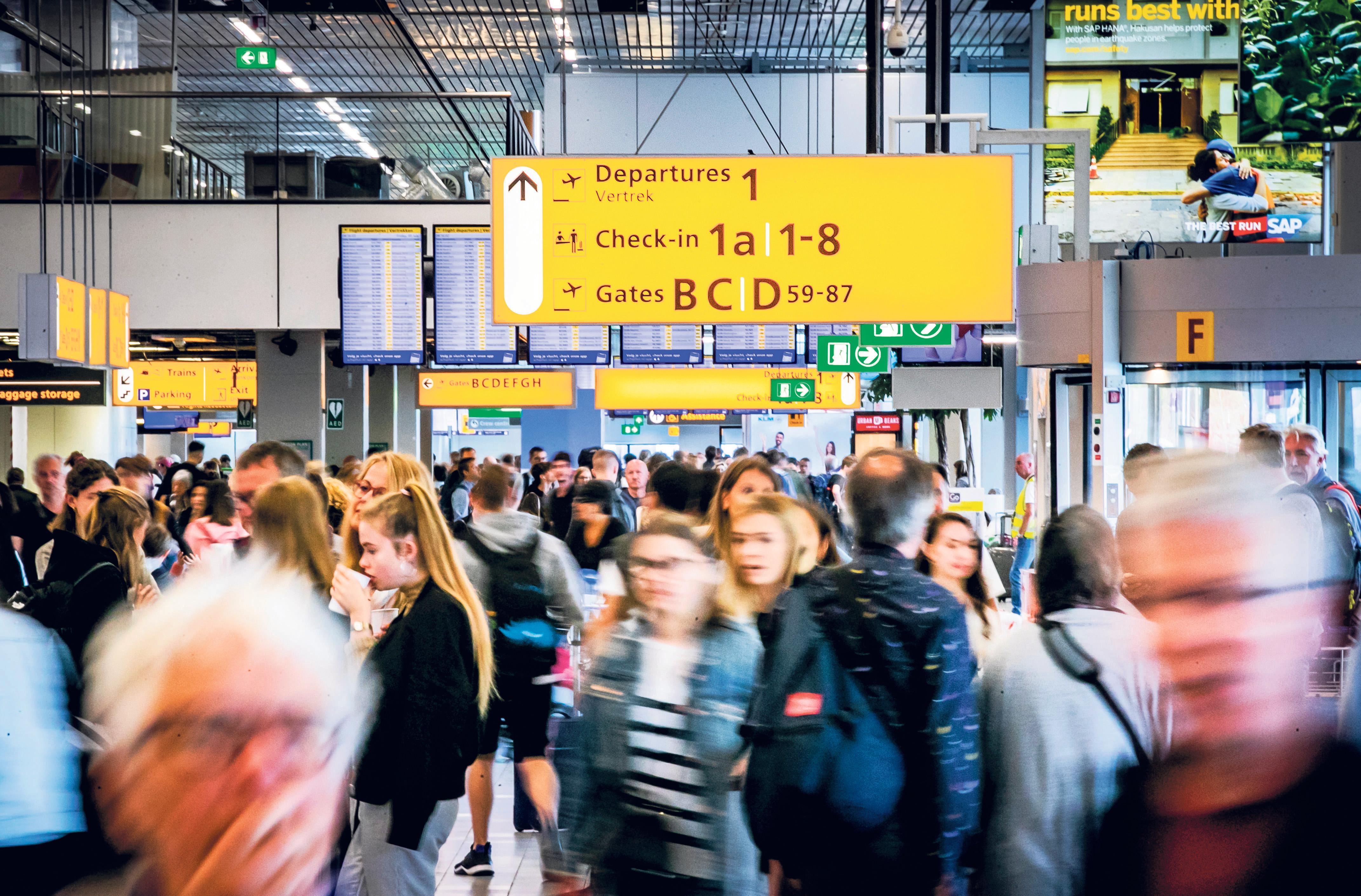 Schiphol gaat wachttijden voorspellen bij veiligheidscontrole