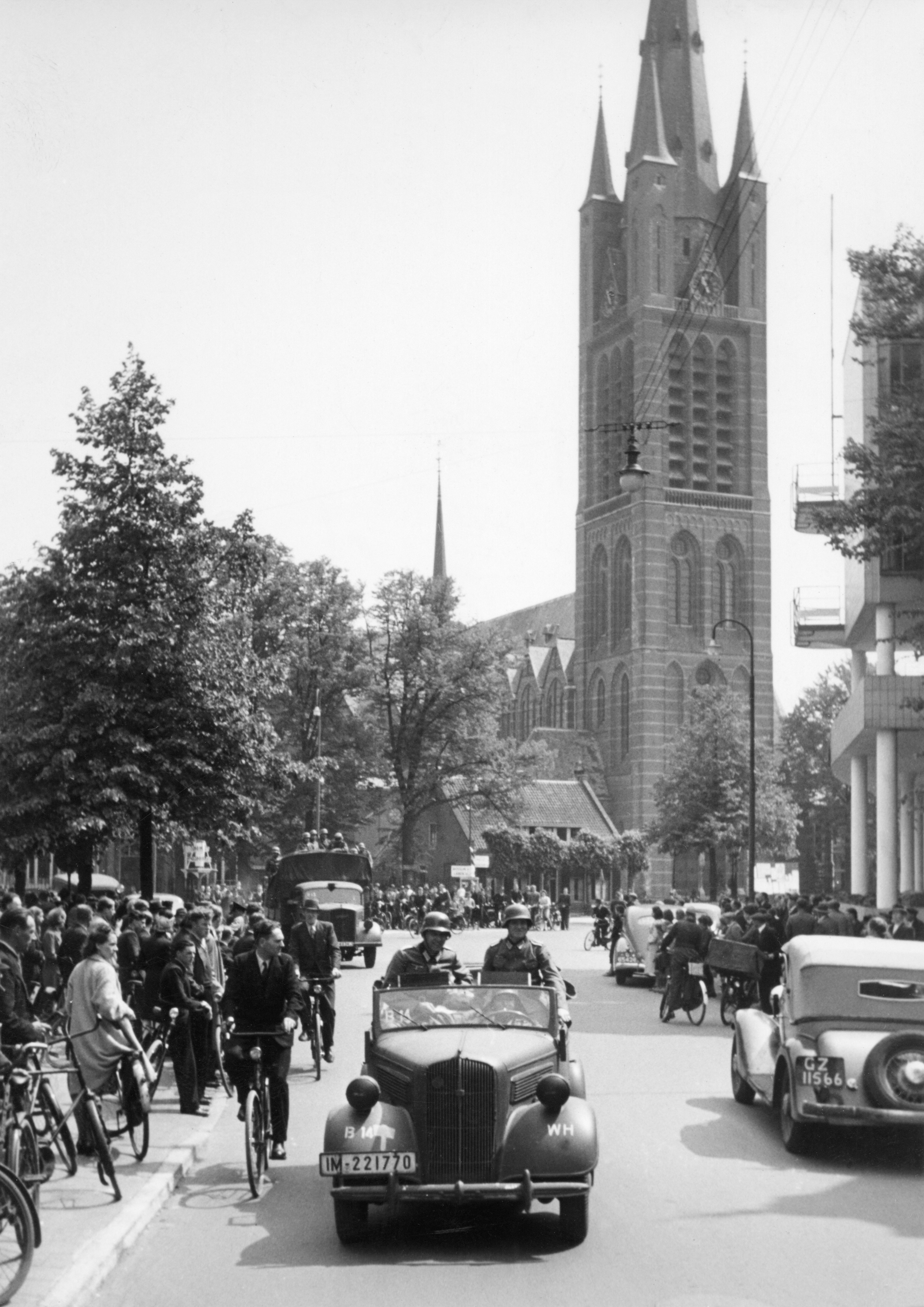 Een goed boek over de oorlogsgeschiedenis van Hilversum, met helaas wat veel gebreken: Een stad op drift