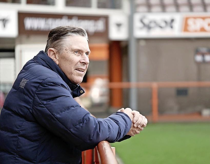Overlijden Wim Suurbier komt hard aan bij Arnold Mühren. 'Er blijft niet veel meer over van dat gouden elftal'