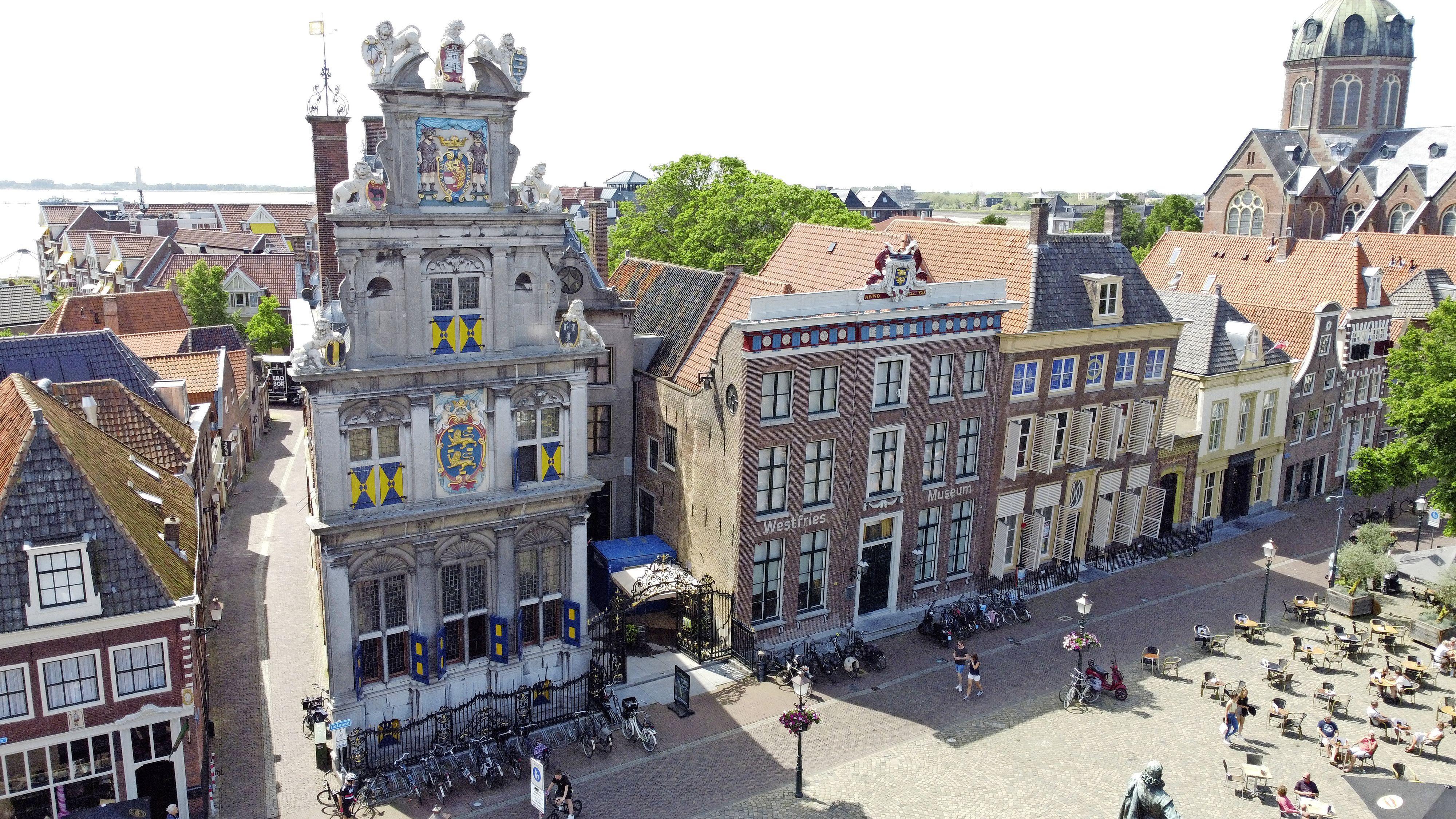 Raad stelt besluit over vernieuwing Westfries Museum uit na storing bij uitzenden raadsvergadering