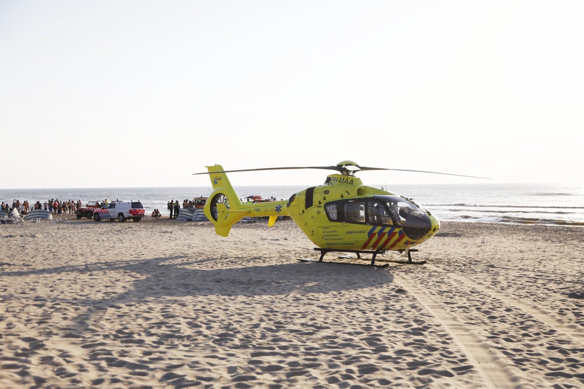 Drenkeling gereanimeerd op strand Zandvoort