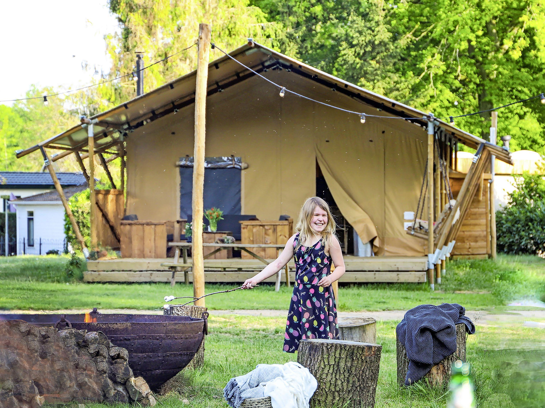 Glamping op de Gooise heide; Landal GreenParks opent camping op de grens van Huizen en Blaricum; 'Het wordt een heel leuk sfeertje!'
