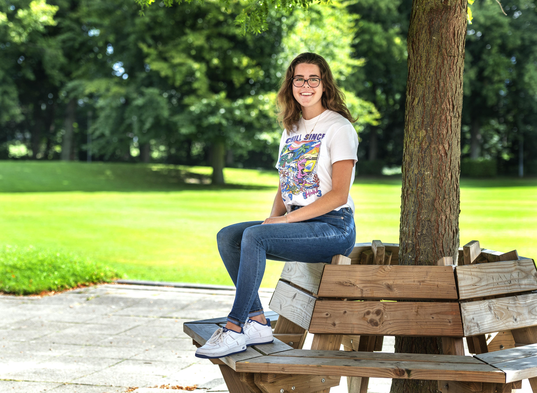 Hageveld-leerlinge Chinouk Plaat (16) gaat twee jaar in Armenië studeren: 'Hiervoor ben ik gemaakt'