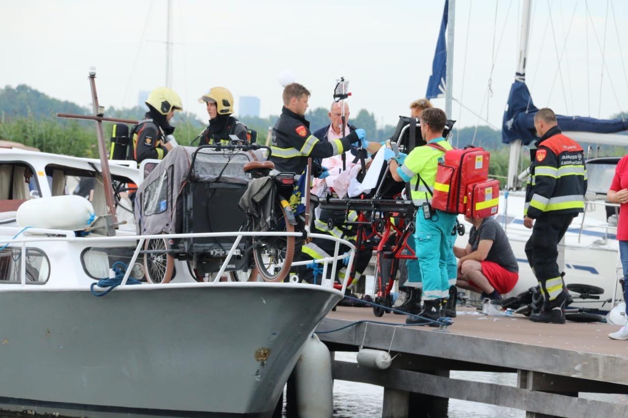 Twee gewonden bij explosie op jacht in Leimuiden