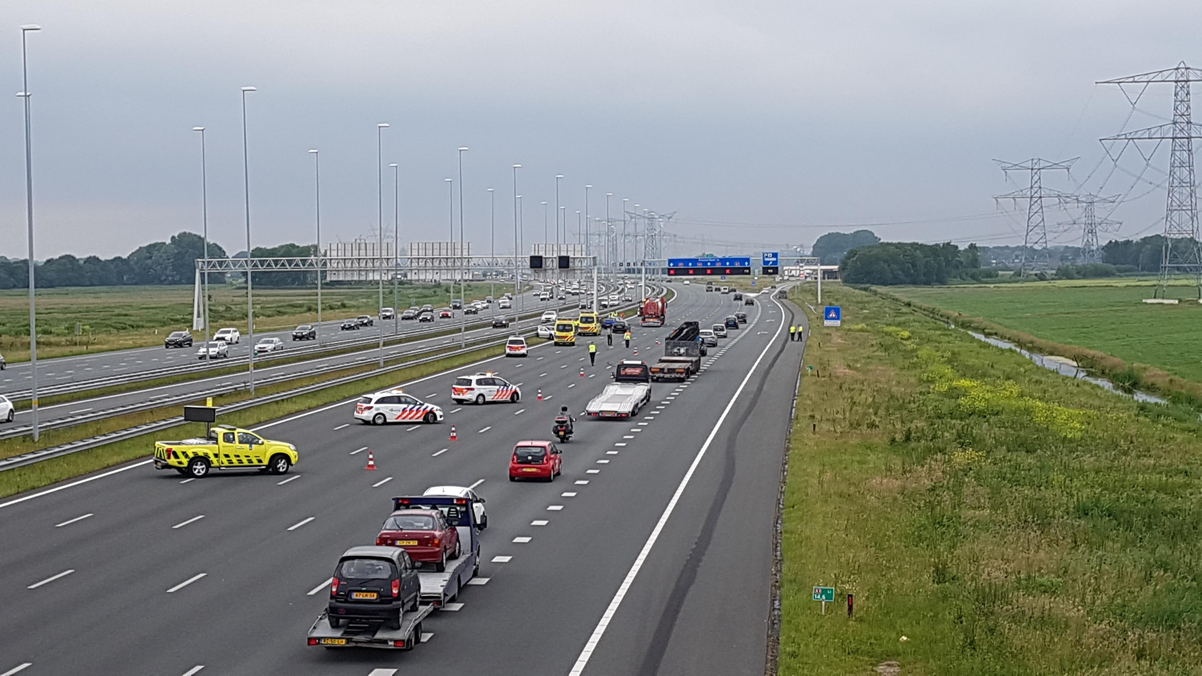 File door ongeluk op A1 richting Amsterdam