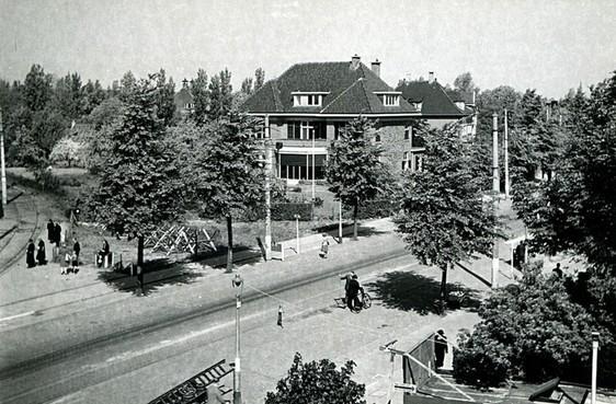De Rijnsburgerweg in Leiden werd een Duitse verdediging tegen de invasie