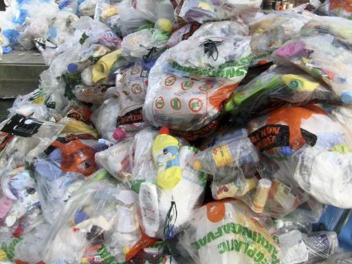 Plastic in plastic zakken, geen goed idee menen Noordwijkse raadsleden