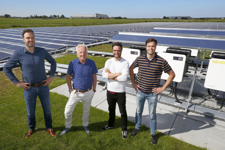 Hoe een makelaar, een jurist, een webdevelopper en een econoom besloten een enorme zonneweide aan te leggen voor duizend huishoudens