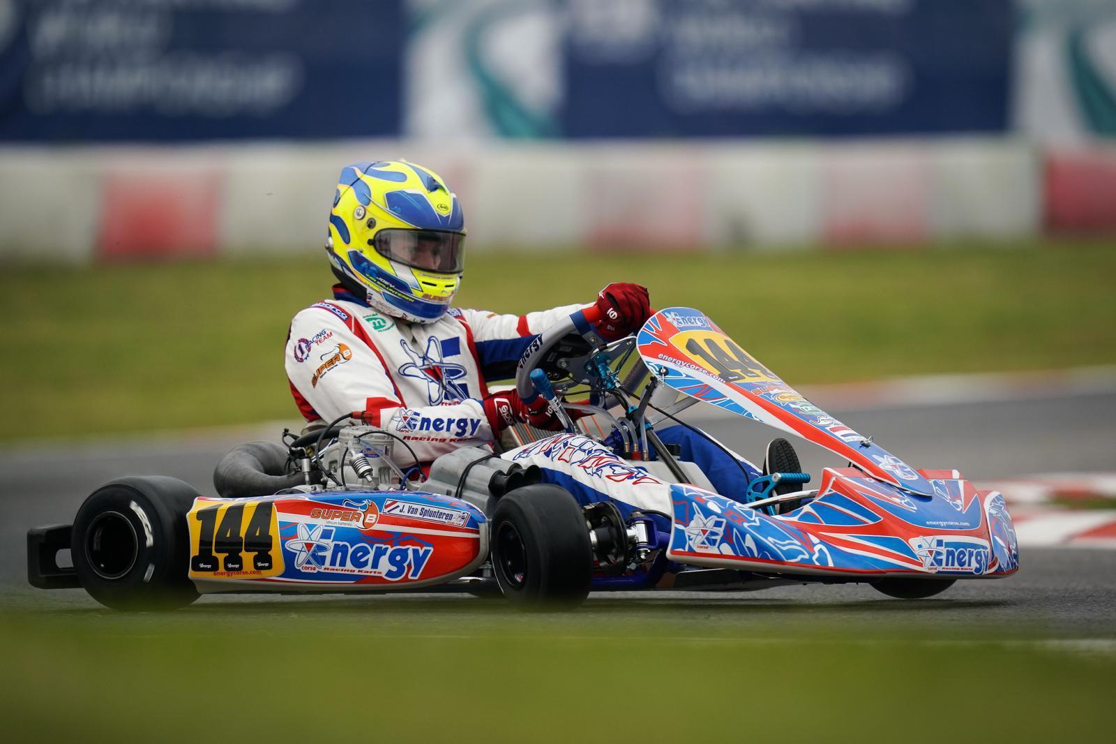 Zaandijker kartkampioen Joey van Splunteren schakelt nu op het hoogste niveau: 'Corona gooit roet in het eten. Rijd ik eindelijk in een schakelkart, gebeurt dit'