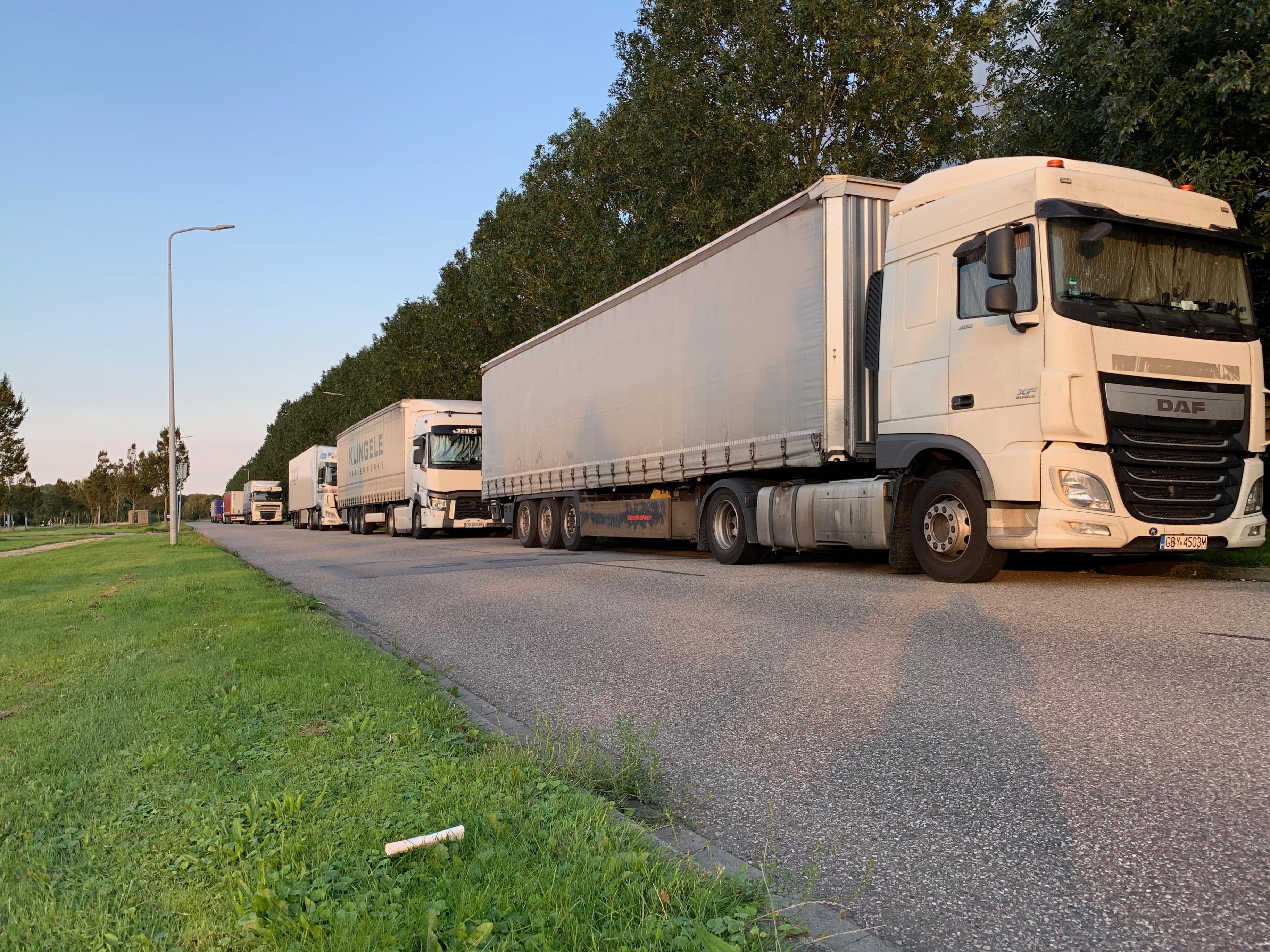 Bedrijvenpark WFO in Zwaagdijk-Oost eist actie van gemeente tegen overnachtende truckers