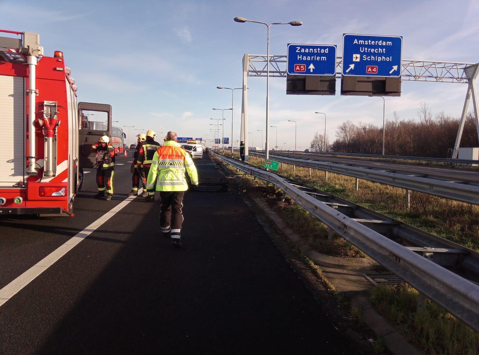 A4 weer vrijgegeven na ongeluk bij knooppunt De Hoek [update]
