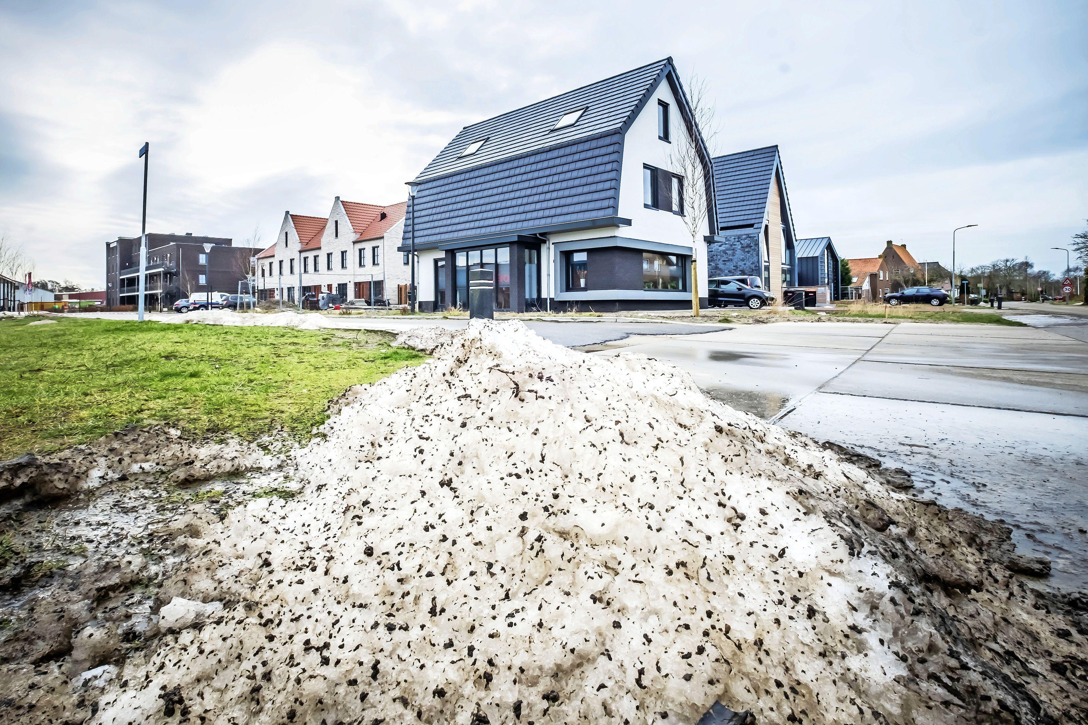 Vijf partijen willen snel sociaal bouwen in de Zandzoom in Limmen, voordat het niet meer kan