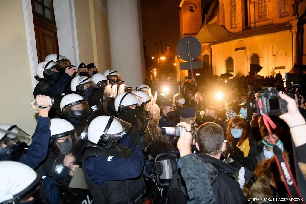 Voor tweede dag op rij protest in Polen om inperking abortus