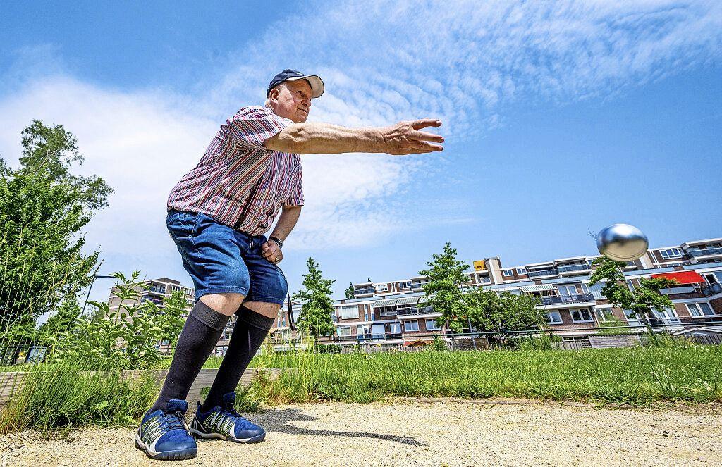 Midsummer night jeu de boules in Schalkwijk: 'Zo leren mensen elkaar kennen'