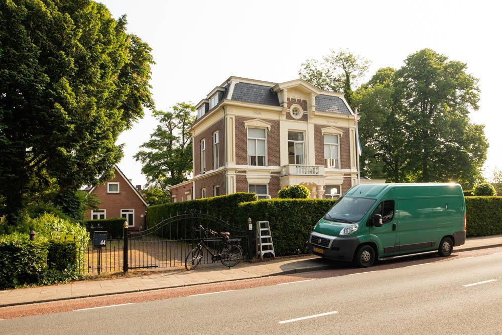 Drugspand achter villa Vijverhof in Baarn voor drie maanden gesloten door burgemeester