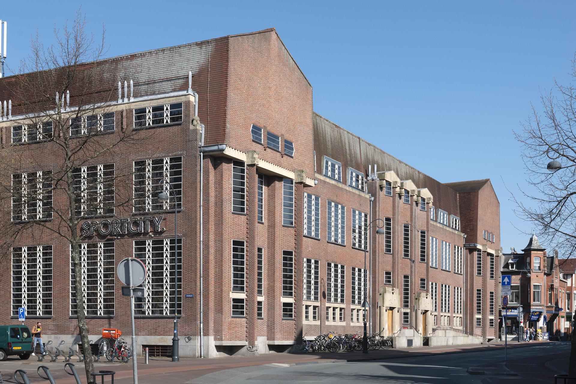 Coronabesmetting Haarlems raadslid Jacques Amand blijkt vals alarm; SP-raadslid voor niets vijf dagen in quarantaine