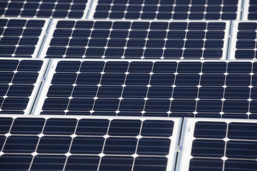 Zonnecentrale Nuon Velsen-Noord klaar in september