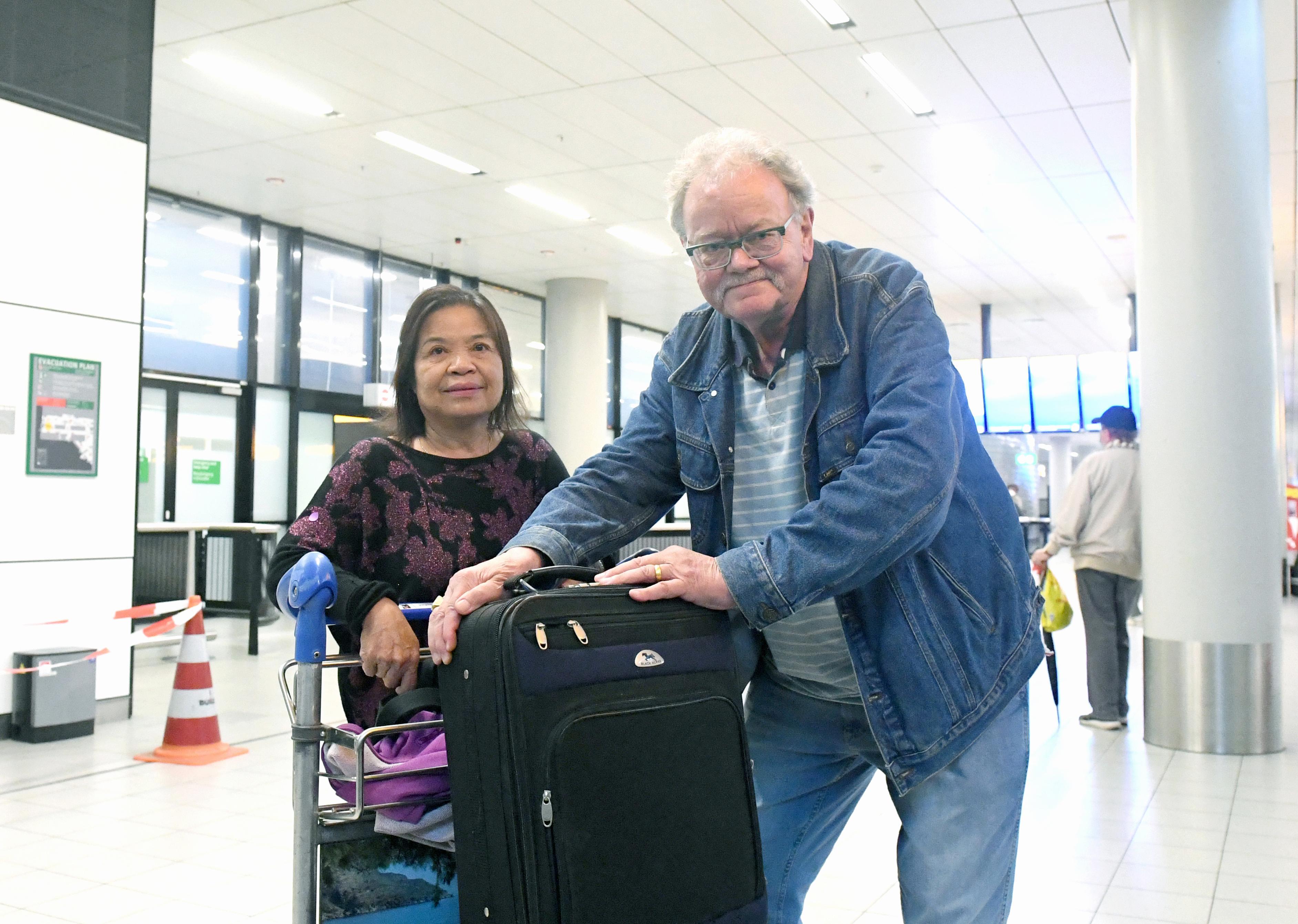 De Helderse Wina (58) vloog in maart naar Thailand voor haar stervende moeder en zat daar vast tot 4 juli vanwege coronamaatregelen
